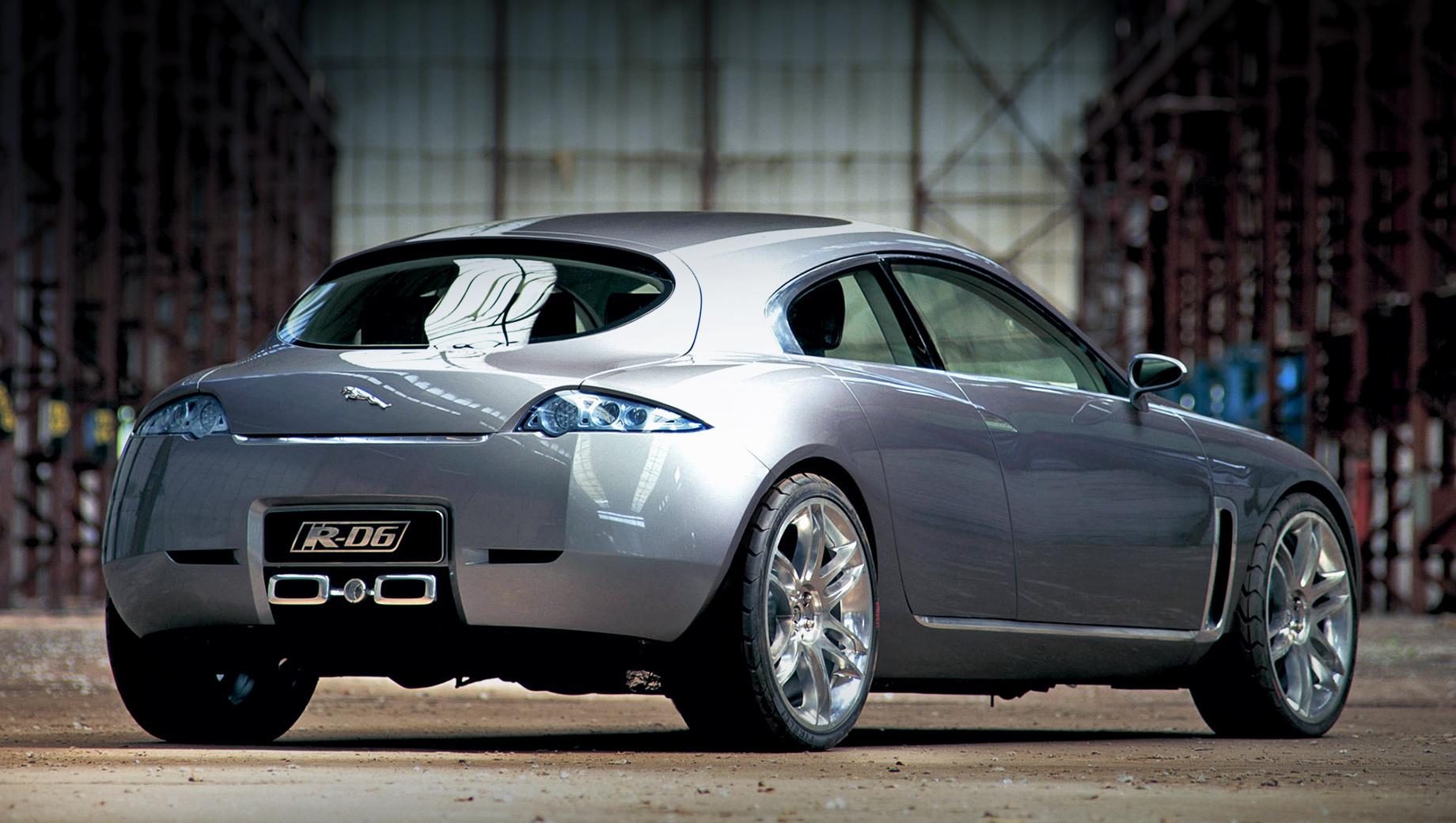 Jaguar xe,Jaguar xf. Ещё в 2003 году специалисты Ягуара фантазировали на тему хэтчбека c боковыми дверями в стиле Мазды RX-8 и задней калиткой, открывающейся в сторону. Тогда пятидверка, нарисованная Яном Каллумом, казалась излишне смелой для такого бренда, но сегодня подобный автомобиль помог бы Ягуару воспрять. Особенно учитывая, что ягуаровские седаны мало кому нужны.