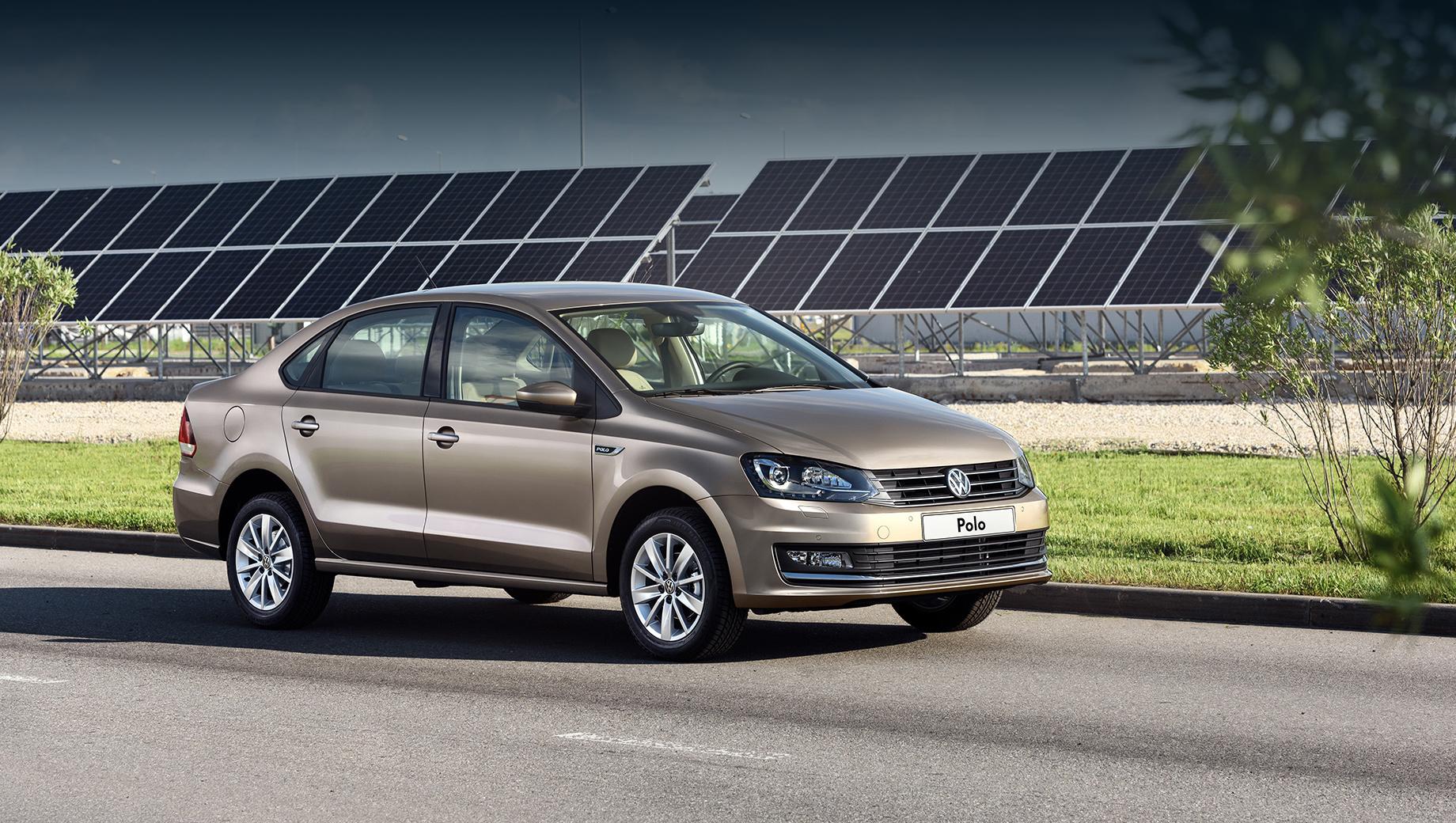 Седан Volkswagen Polo вызван на сервис из-за таблички