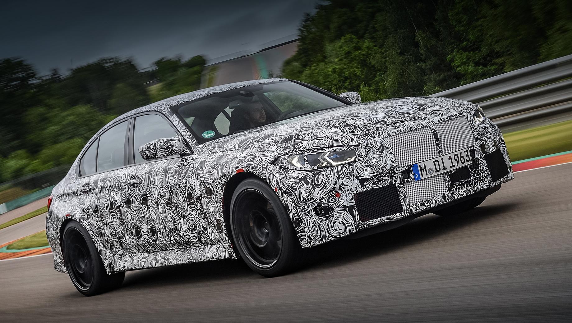 Bmw m3,Bmw m4. Седан BMW M3 и купе BMW M4 дебютируют одновременно в середине сентября 2020 года. Позже на рынок выйдет кабриолет BMW M4, а потом немцы начнут готовить более мощные модификации «эмок», предназначенные в большей степени для езды по гоночному треку.