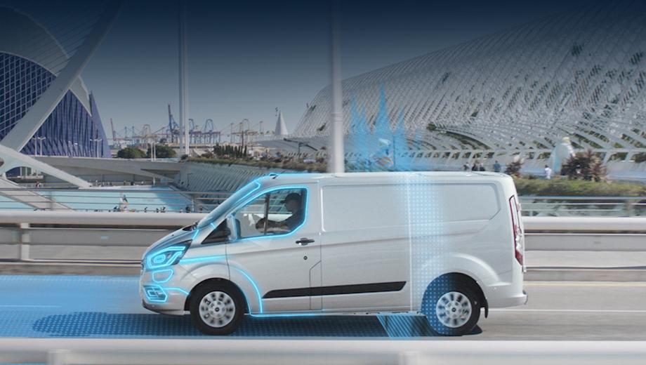 Ford transit custom,Ford transit custom phev,Ford tourneo custom,Ford tourneo custom phev. Проведённый в Лондоне опыт с гибридами Ford, которые находились в эксплуатации у полиции, Addison Lee Group, British Gas и Transport for London, показал, что 75% пути водители передвигались в полностью электрическом режиме.