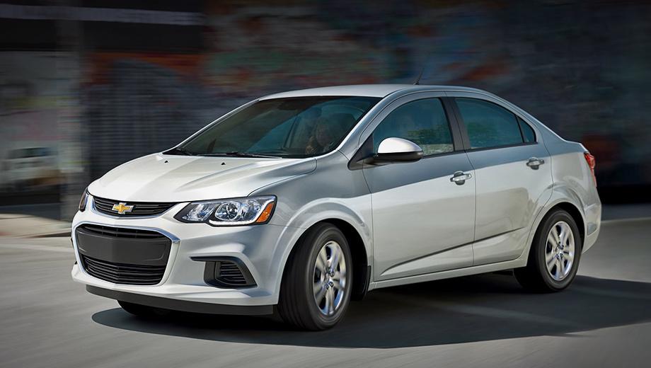 Chevrolet sonic. «Второй» Chevrolet Aveo для США был назван Соником в 2010 году и вышел на рынок в 2012-м. Рестайлинг прошёл в 2016-м. Сегодня у пары остался один агрегат: бензиновая турбочетвёрка 1.4 Ecotec (140 л.с., 200 Н•м) с шестиступенчатым «автоматом».