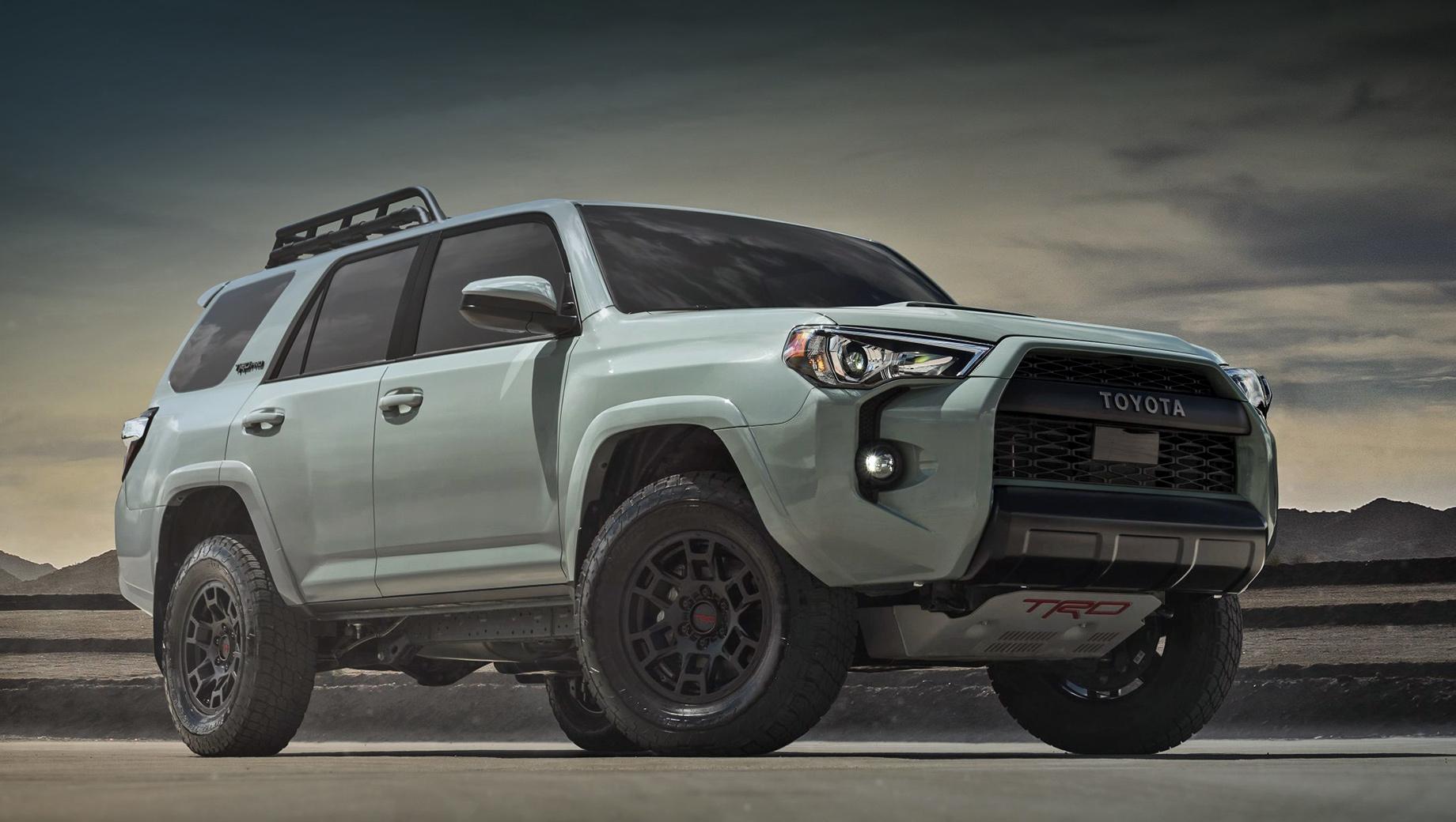 Toyota 4runner,Toyota tacoma,Toyota tundra,Toyota sequoia. Пока неизвестно, как обновление повлияет на цену автомобилей Toyota с пакетом TRD Pro. Сейчас за дореформенный 4Runner TRD Pro нужно заплатить $49 865 (3,5 млн рублей). Расширенная стальная защита днища и блокировка заднего дифференциала — базовое оснащение.