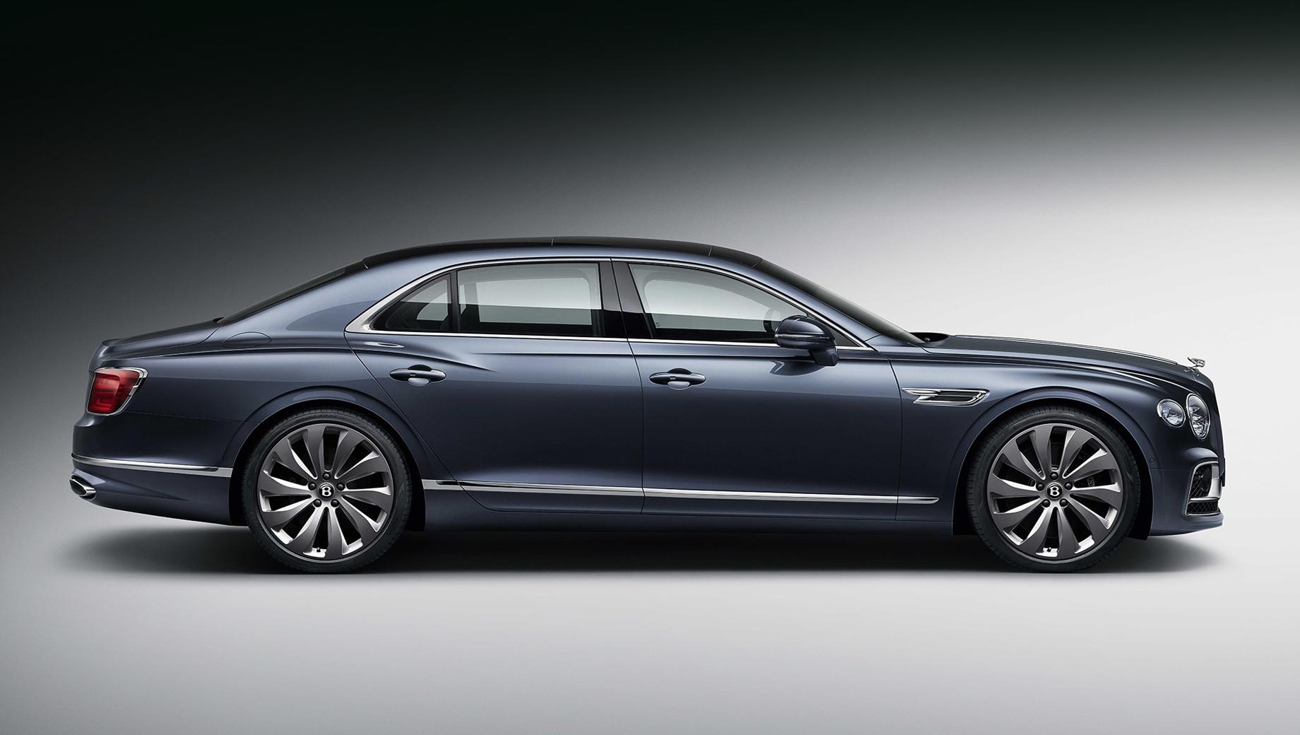 Bentley flying spur,Bentley flying spur speed. Нынешний Flying Spur был представлен прошлым летом. У него мотор W12 6.0 TSI с отдачей в 635 л.с. и 900 Н•м, восьмиступенчатый «робот» с двумя сцеплениями и полный привод.