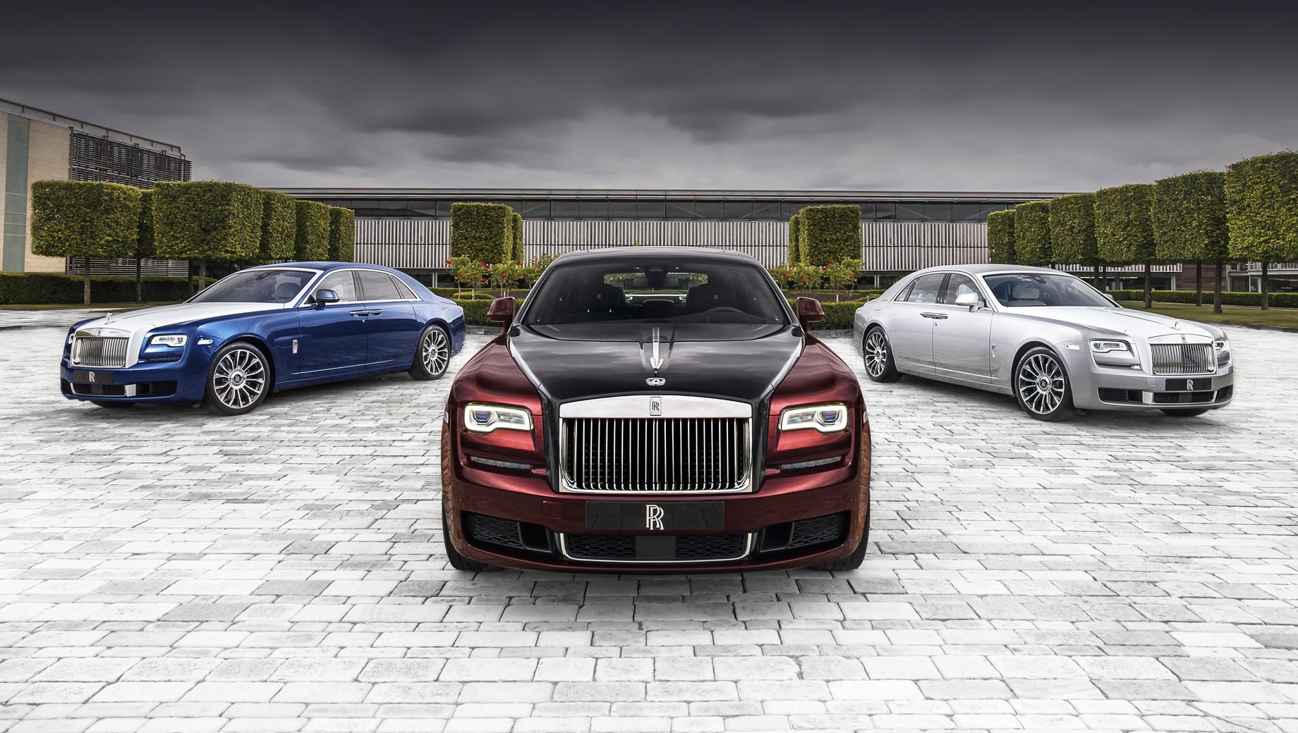 Rollsroyce ghost. Первое поколение Роллс-Ройса Ghost появилось в 2009 году и было названо в честь далёкого предка Silver Ghost 1906 года. Обновлялся седан в 2014-м. Комплектовался наддувным мотором V12 6.6 (BMW N74) мощностью от 570 до 612 л.с., в зависимости от версии.