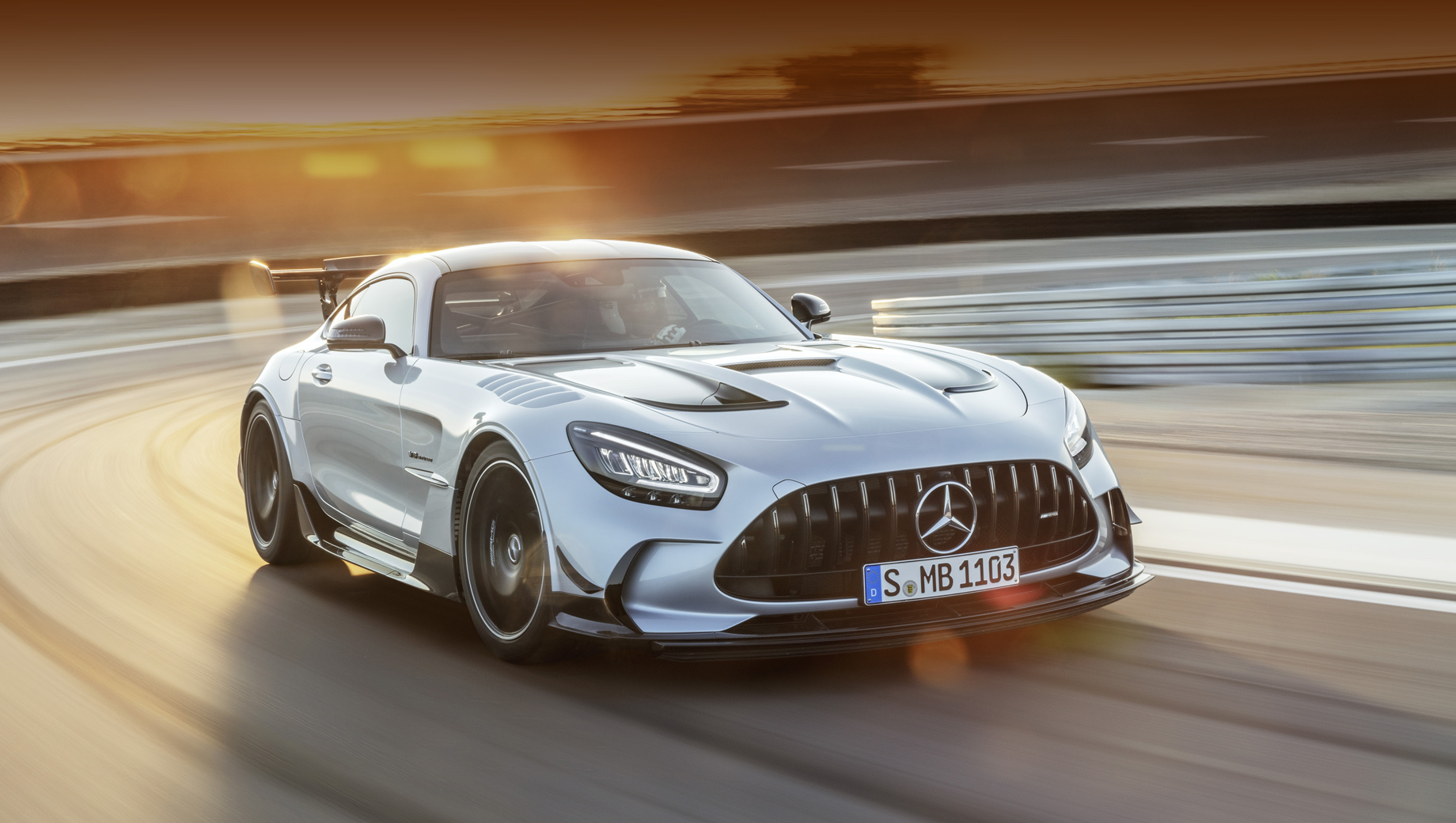 Мотор и аэродинамика выделили AMG GT Black Series