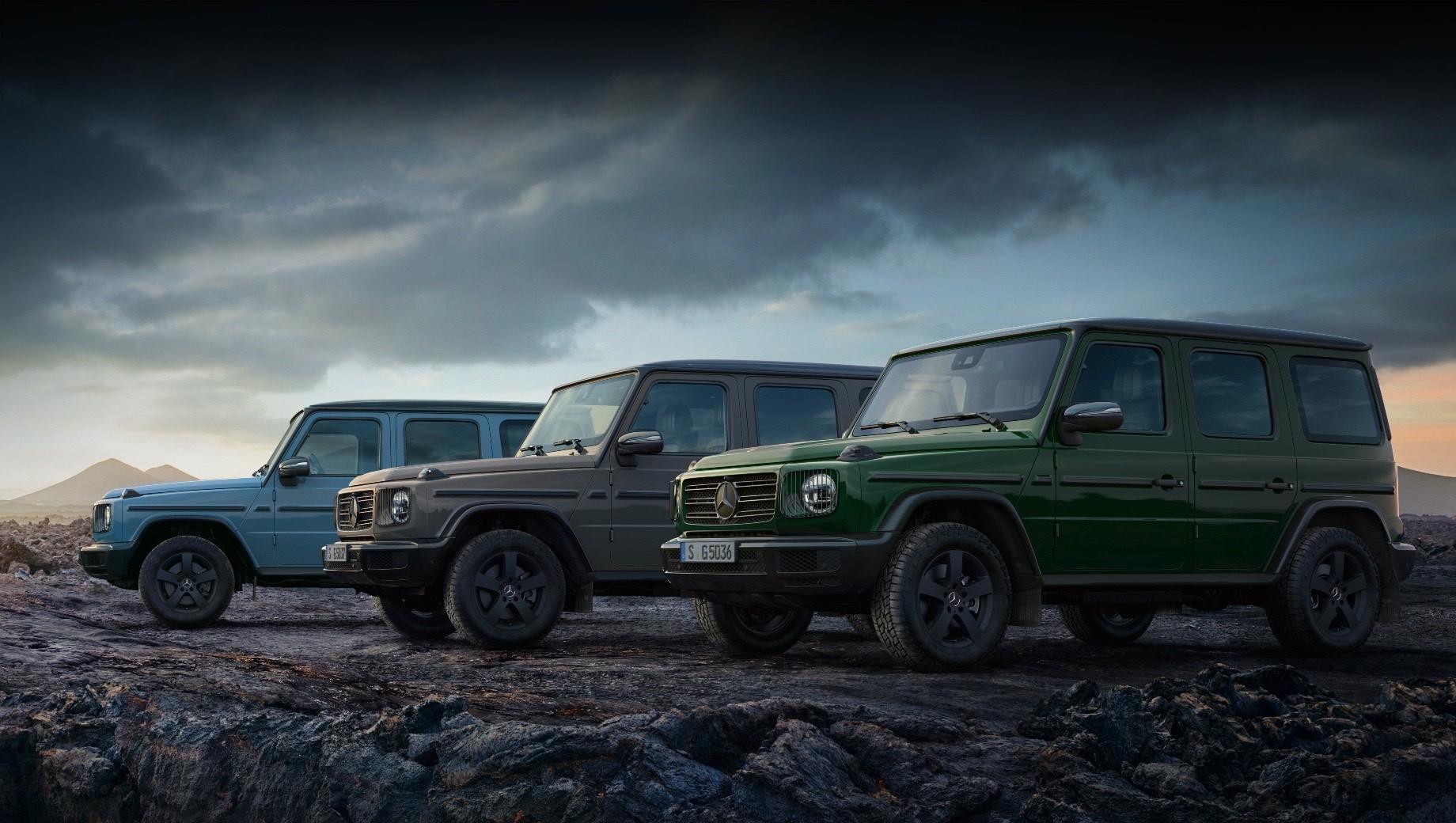 Mercedes g. В программу персонализации G manufaktur включены три новых цвета кузова: тёмно-зелёный Deep Green, бежевый Classic Grey и голубой China Blue.