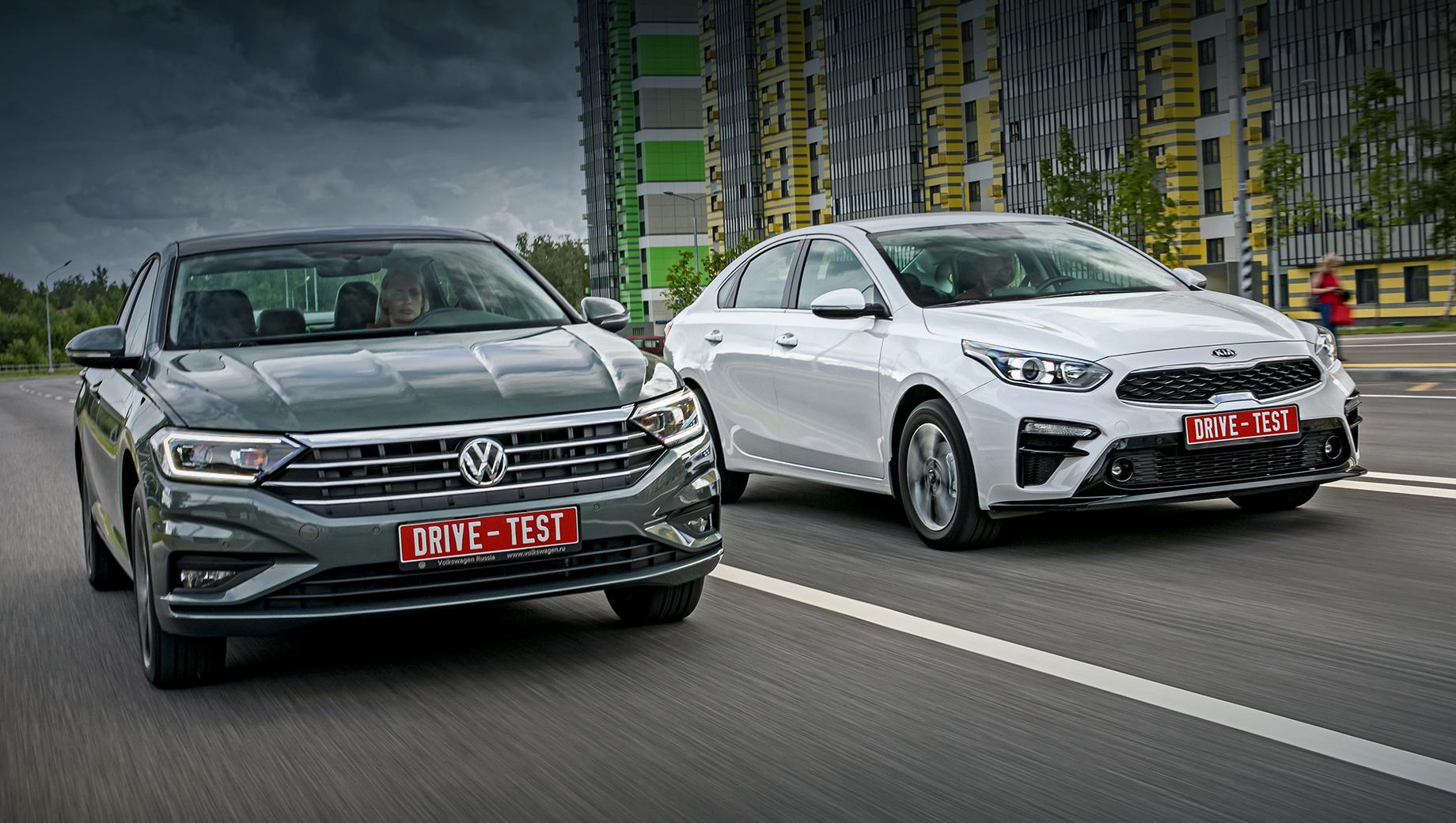 Kia cerato,Volkswagen jetta. В обоих случаях базовыми являются моторы 1.6. За такой Cerato с «автоматом» просят 1,20–1,34 млн рублей, за Джетту ― от 1,55 до 1,89 млн. Со 150-сильным атмосферником 2.0 Kia стоит 1,25–1,52 млн, а наддувный Volkswagen 1.4 TSI той же мощности ― 1,86–1,96 млн.