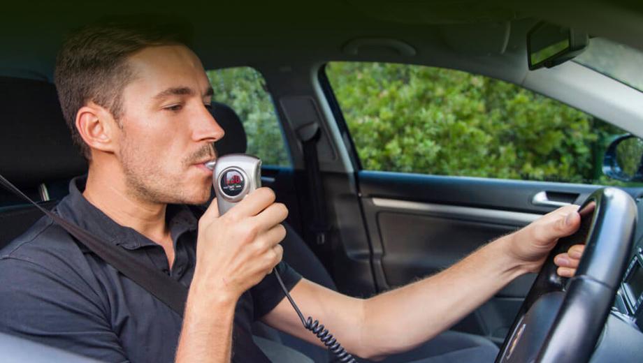 В России создадут концепцию применения алкозамков в машинах