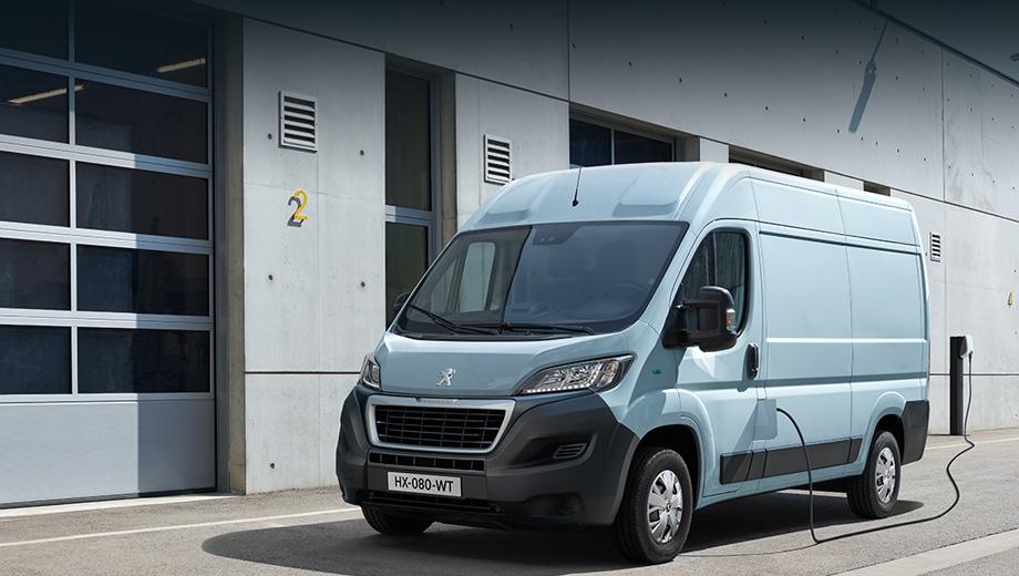 Peugeot boxer,Peugeot e-boxer. Электрокар будет выпускаться в пяти комбинациях длины базы и высоты крыши, с грузоподъёмностью от 1150 до 1285 кг и с внутренним объёмом от 8 до 17 м³.