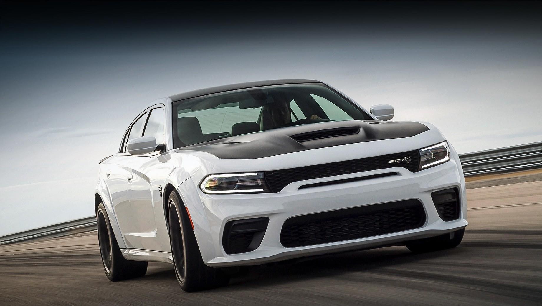 Dodge charger,Dodge charger srt hellcat,Dodge charger srt hellcat redeye. Седан Dodge Charger SRT Hellcat Redeye ускоряется с места до 97 км/ч за 3,5 с, а расстояние 402 м преодолевает за 10,6. Максимальная скорость достигает 326 км/ч.