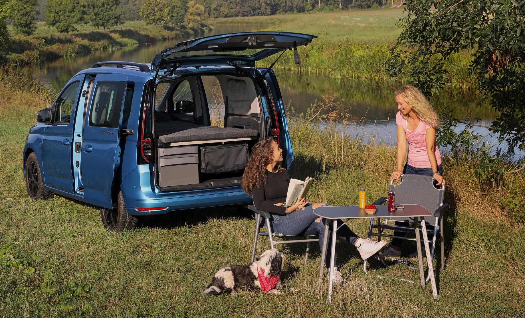Volkswagen Caddy California предстал миниатюрным автодомом