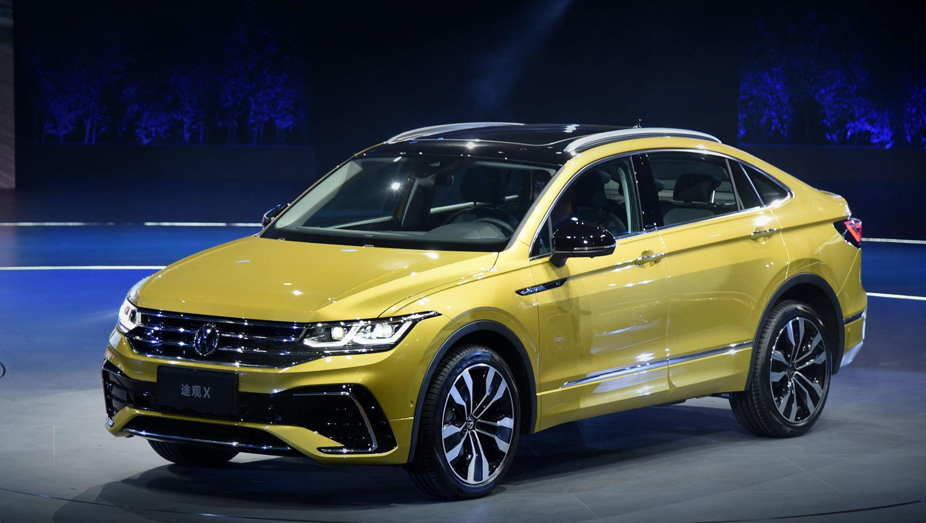 Volkswagen tiguan,Volkswagen tiguan x. Лицо «икса» ничем не отличается от обновлённого Тигуана для Европы. Но китайцы могут об этом не знать, ведь у них продаётся дореформенный Tiguan L, на чьей основе и построен новобранец.