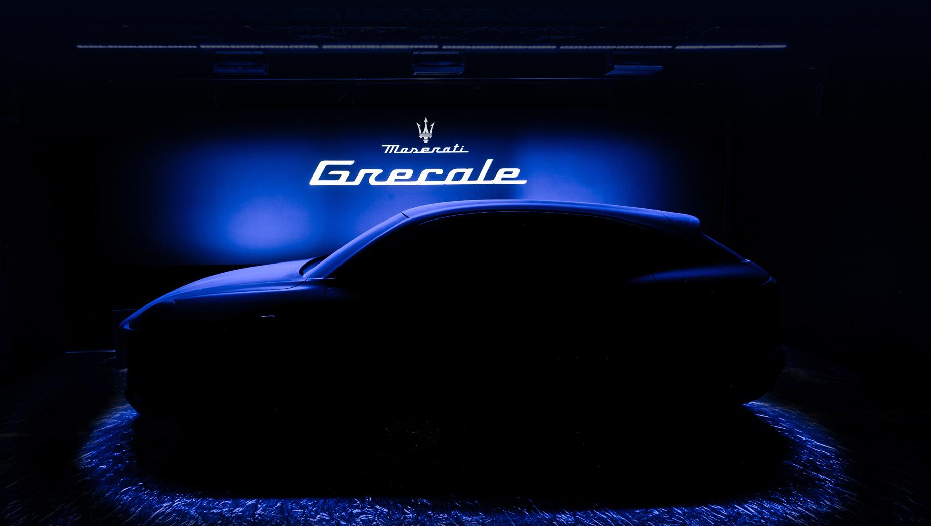 Maserati grecale. Премьера суперкара MC20 дала повод компании поговорить о планах на будущее, а важным дополнением ко всем презентациям стал первый официальный тизер младшего паркетника.