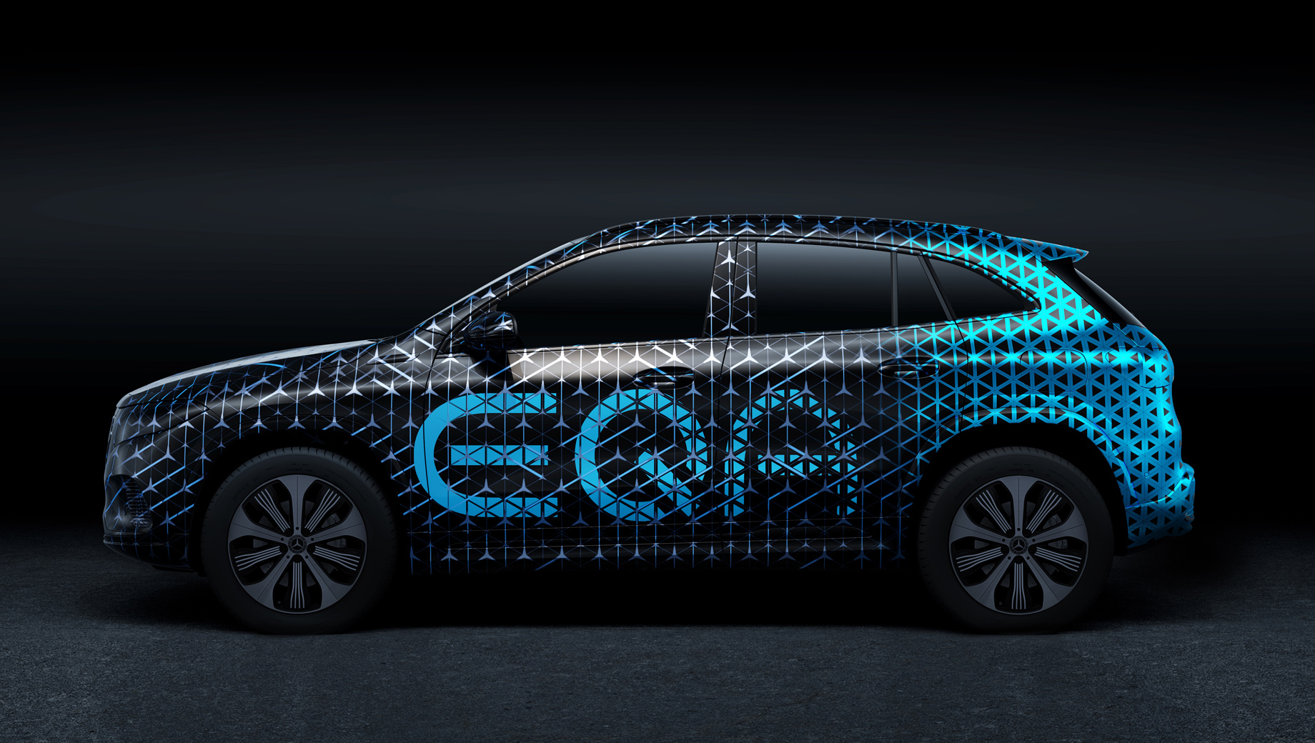 Премьера модели Mercedes-Benz EQA отложена на полгода