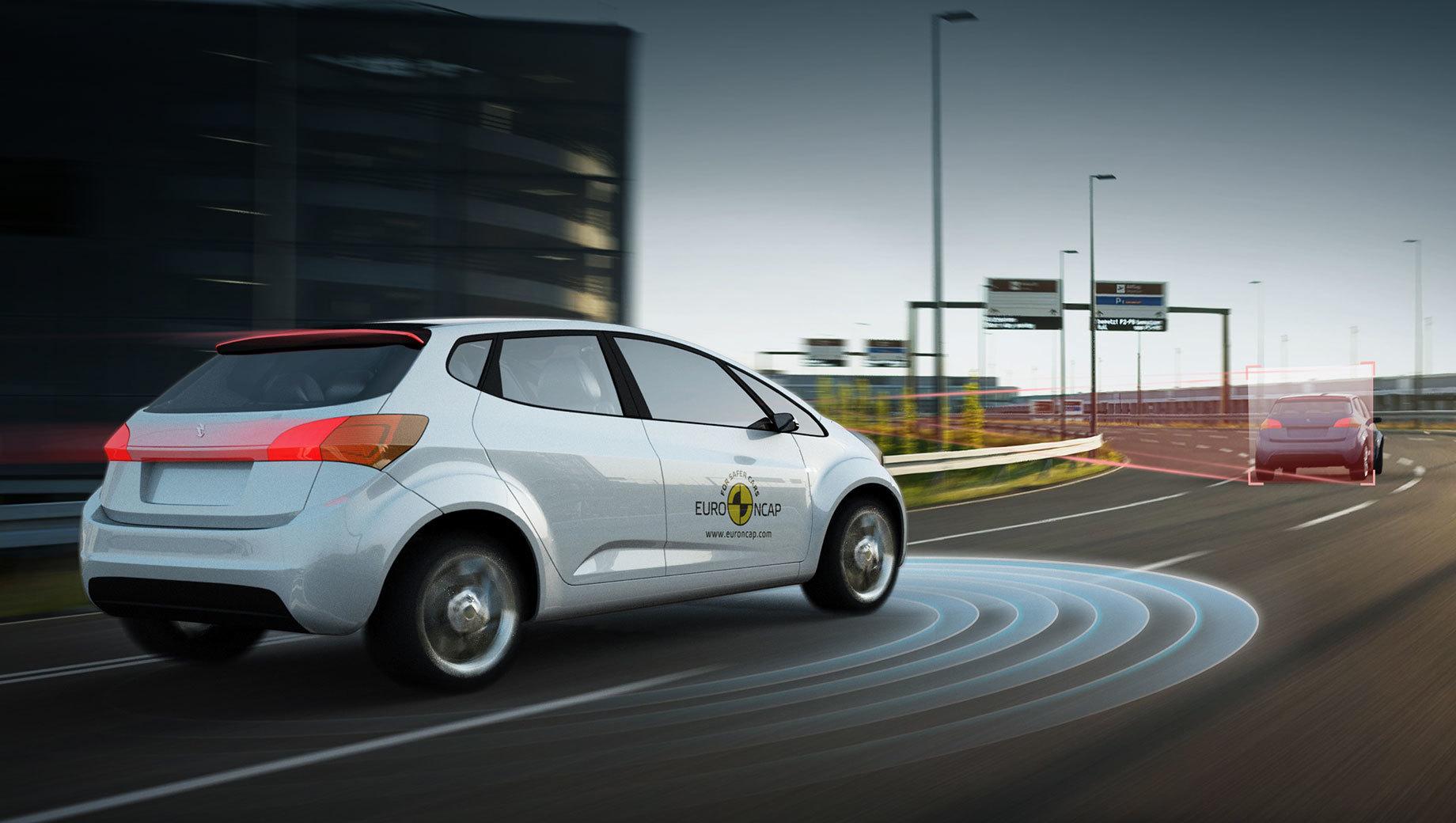 Эксперты Euro NCAP проверили автопилот у десяти моделей