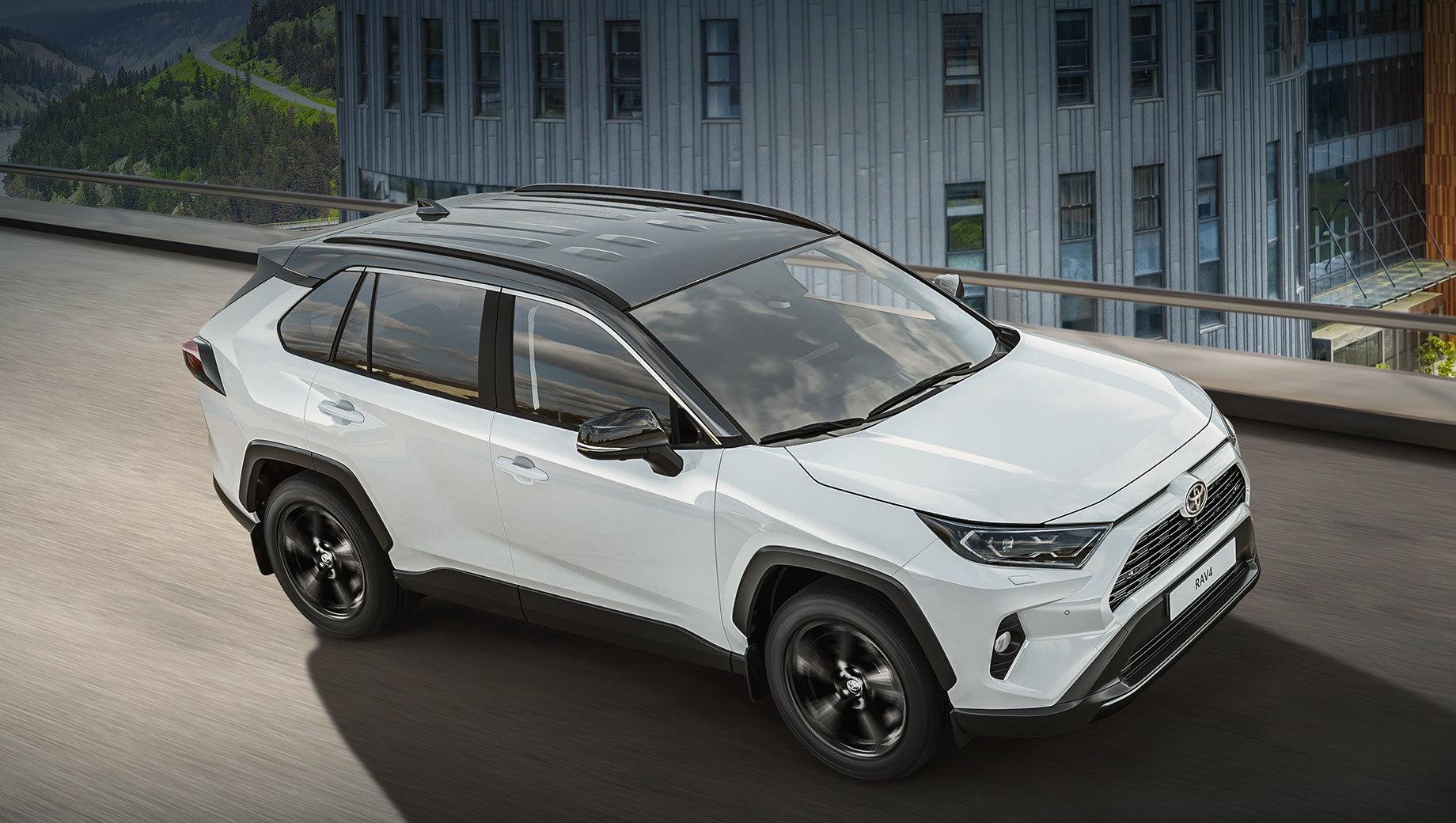 В России появилась чёрно-белая Toyota RAV4 Style
