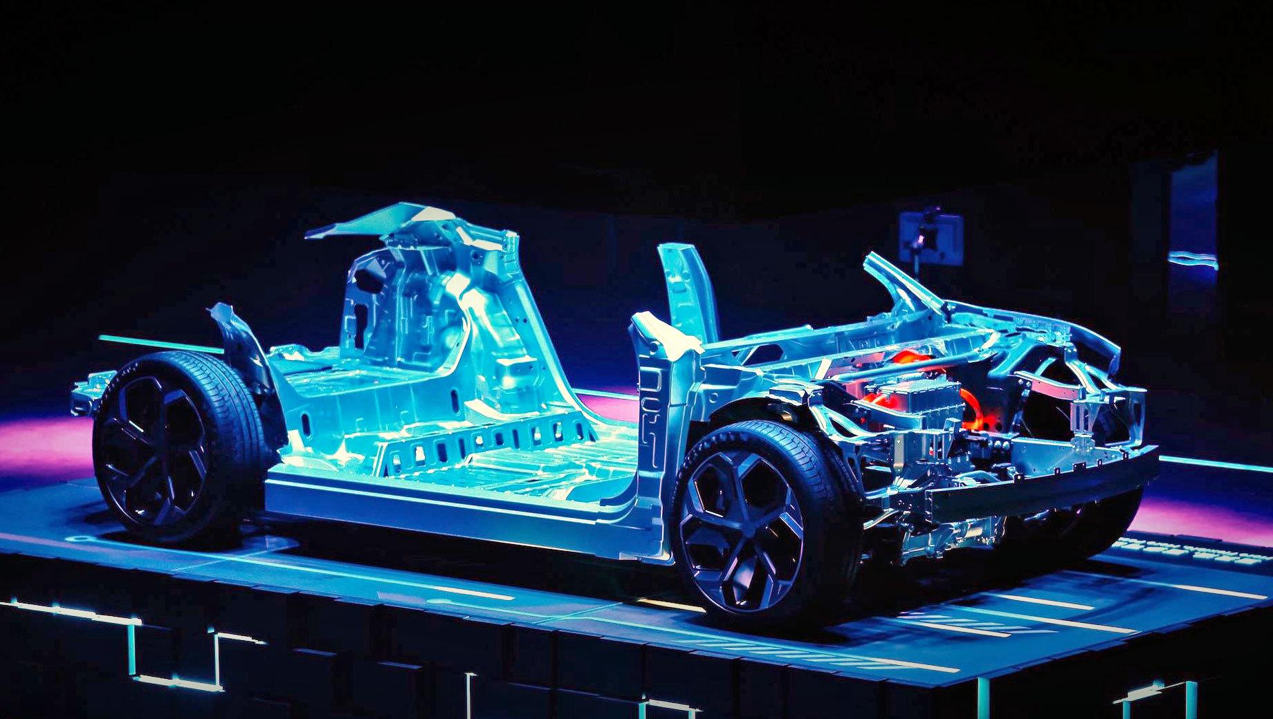 Volvo xc20. Платформа SEA (Sustainable Experience Architecture), представленная на днях концептом от Lynk & Co, рассчитана на электрокары с колёсной базой в 1800–3300 мм. У XC40 между осями 2702 мм, а у XC20 будет примерно 2500.