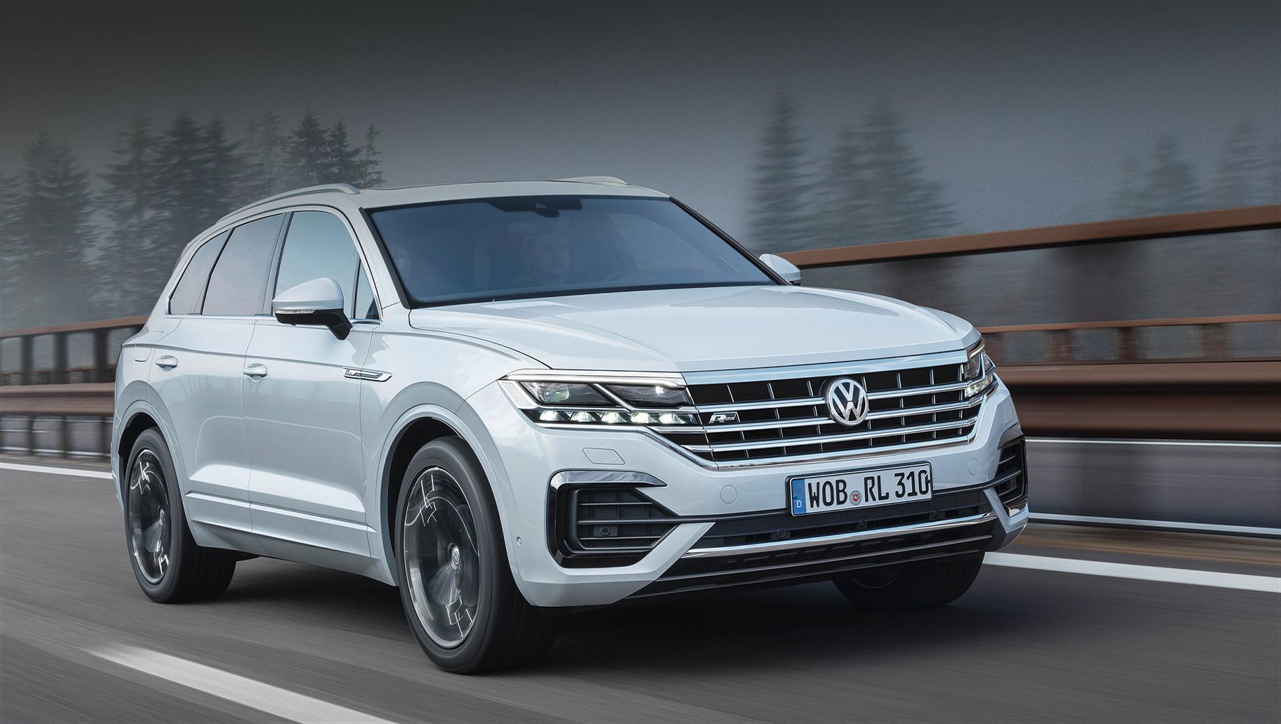 Volkswagen Touareg вызван на замену молдинга в России