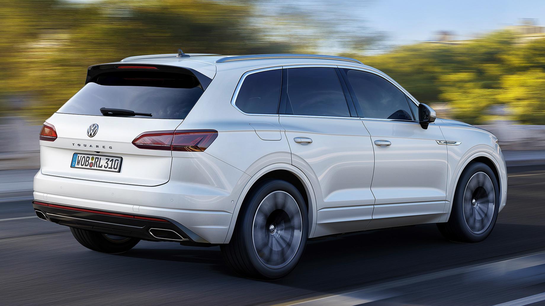 Volkswagen Touareg вызван назамену молдинга вРоссии