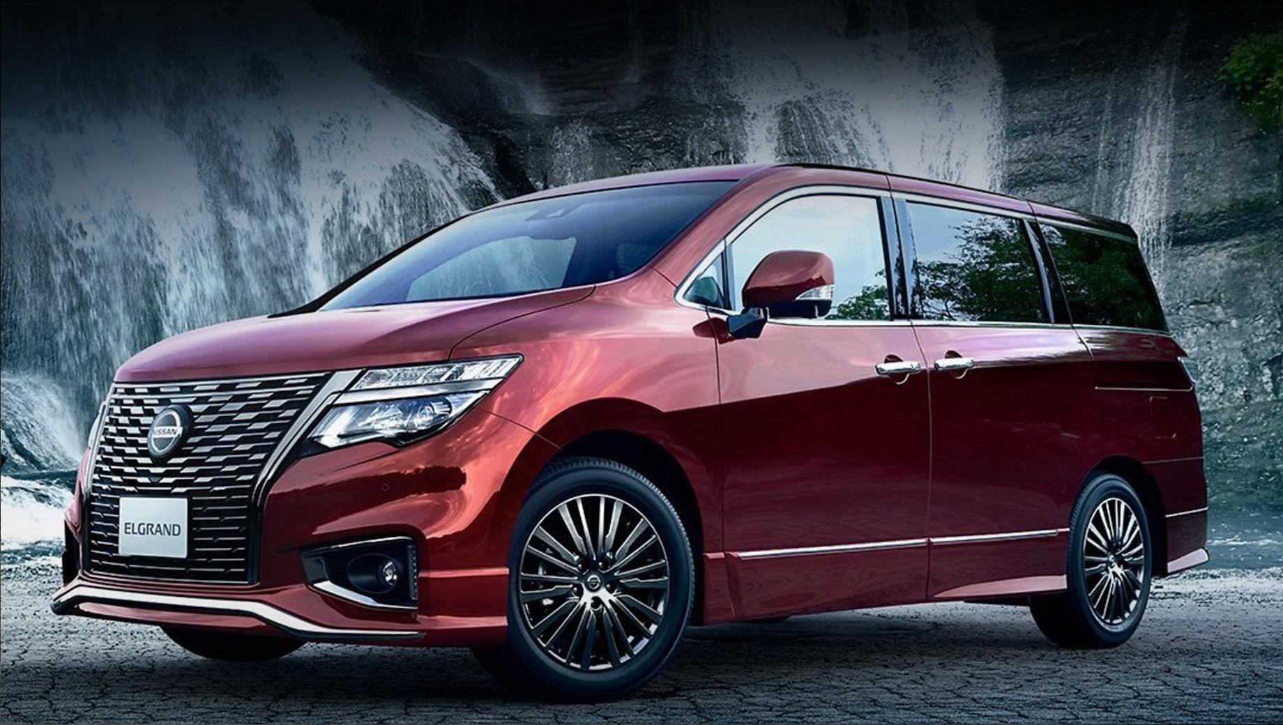 После обновления Nissan Elgrand стал богаче снаружи и внутри