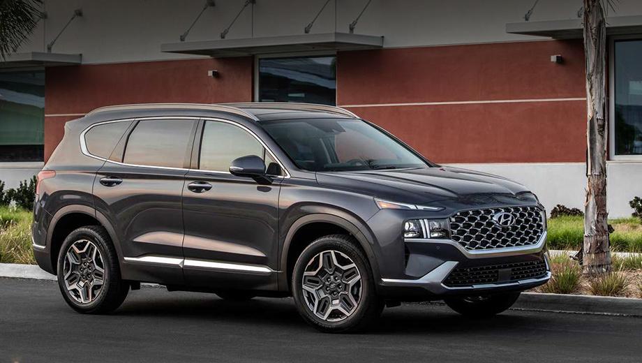 Hyundai santa fe. Внешне Santa Fe для Америки, собранный на заводе в Алабаме, дословно повторяет вариант для Южной Кореи. Гибриды будут импортироваться из корейского Ульсана с начала 2021 года.