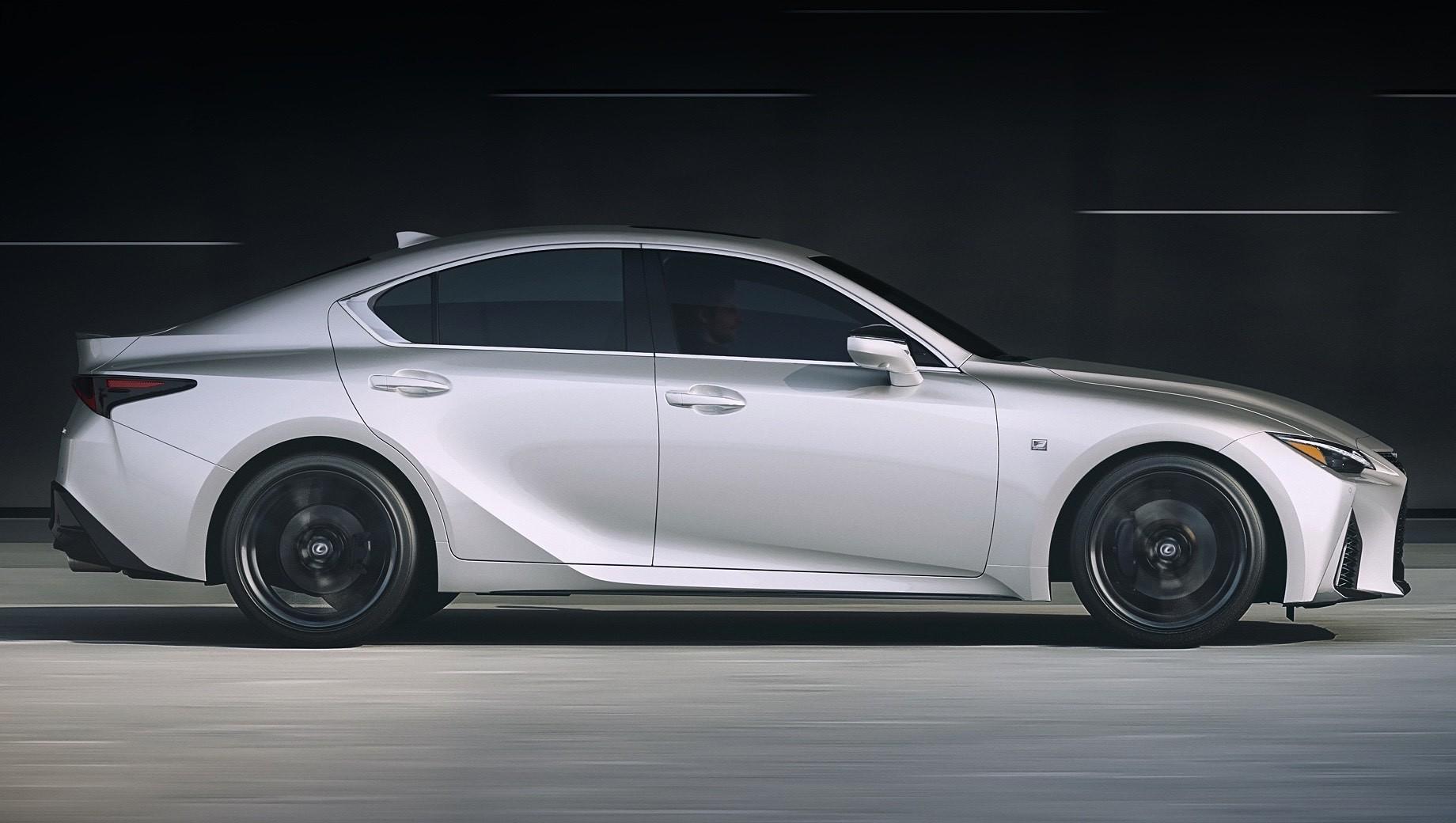 Lexus сократит модельный ряд наевропейском рынке