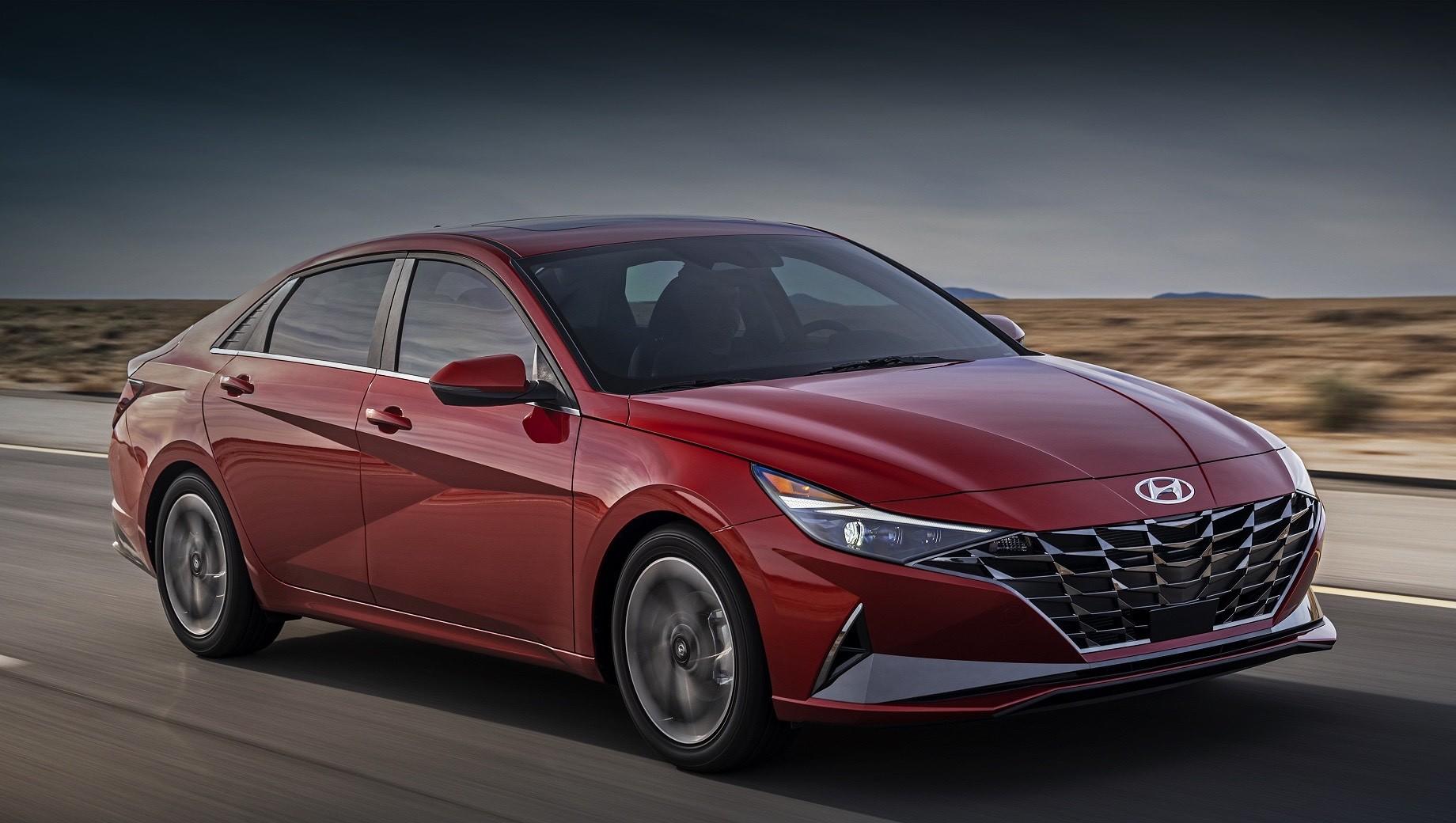 Новая Hyundai Elantra в России получит атмосферники и «автомат»