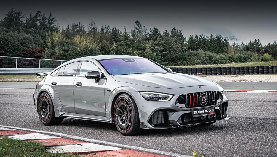 Mercedes amg gt. Как ясно уже из названия версии, всего Brabus построит десять таких автомобилей. Каждый будет отличаться какими-то индивидуальными деталями в отделке. Первый экземпляр серии оценён в 435 800 евро (39,47 млн рублей).