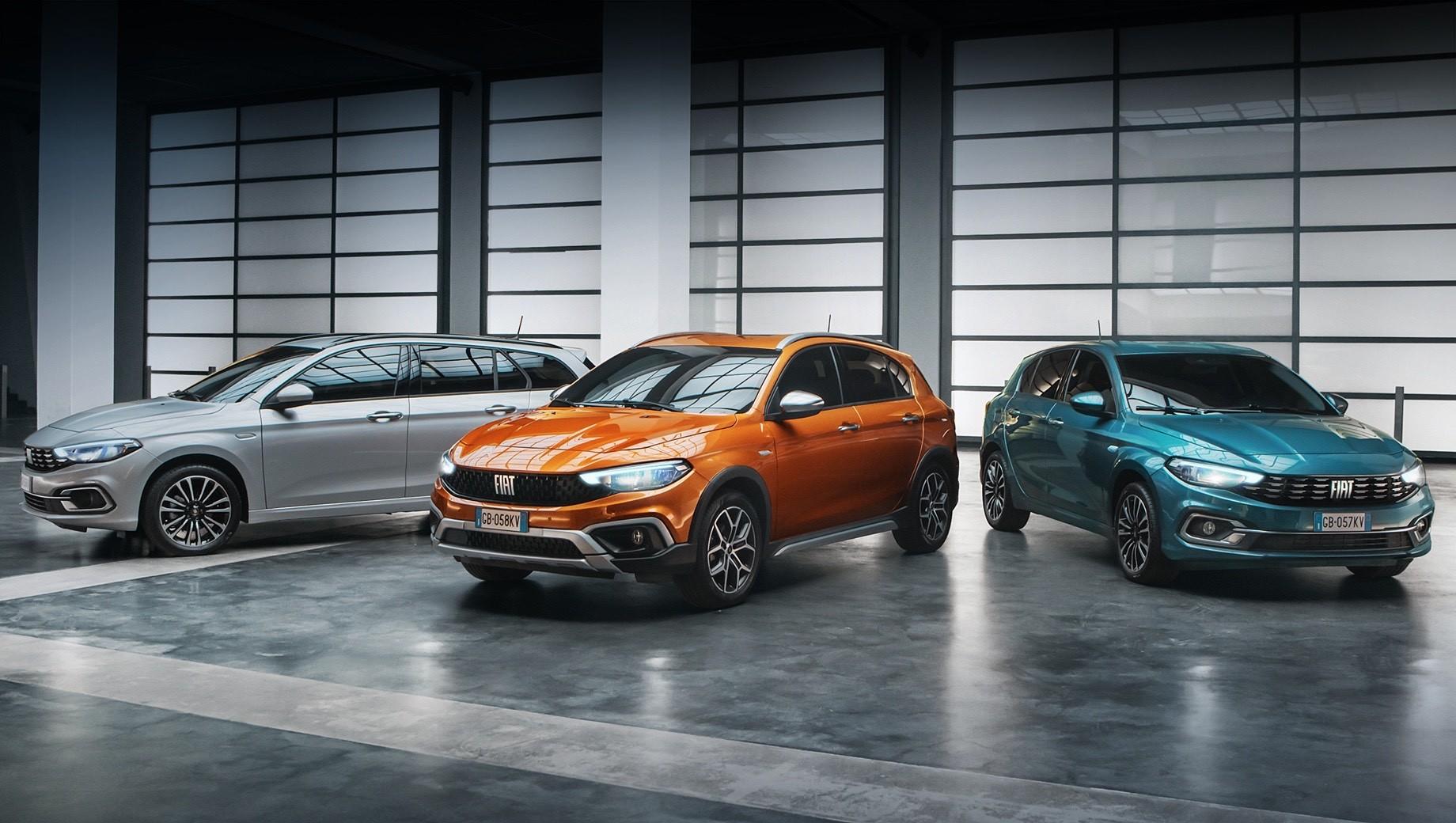 Fiat tipo. Главное отличие обновлённой линейки — крупный шрифт названия бренда, который пока обходит Панду. Бамперы выполнены в новом дизайне, а фары и фонари построены на светодиодах. Палитра оттенков кузова расширена за счёт колеров Ocean Blue и Paprika Orange.
