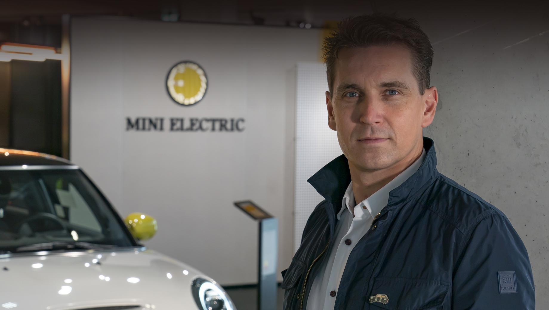 Mini countryman,Mini rocketman,Mini cooper se. «Наряду с электромобильностью критически важным для будущего MINI будет привлечение новых целевых групп и рынков сбыта», — сказал шеф марки. Новые целевые группы равны новым моделям? Похоже, да.