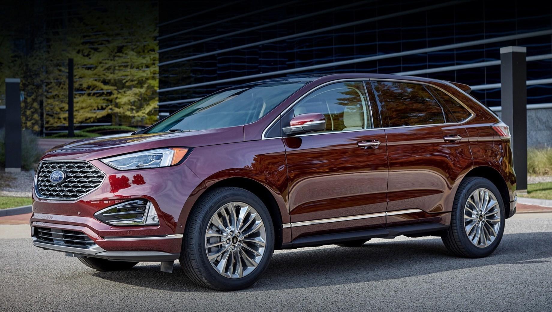 Ford edge. Продажи обновлённых пятидверок Ford Edge начнутся до конца 2020 года, а пока ещё продаются дорестайлинговые машины по цене от $31 100 до $43 265 (от 2,5 до 3,4 млн рублей).