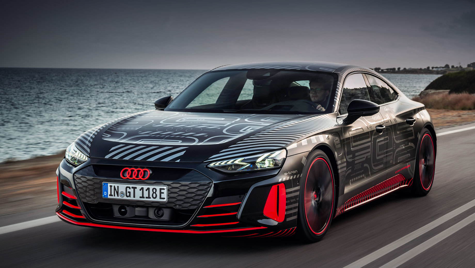 Рассекречен прототип «заряженного» седана Audi RS e-tron GT