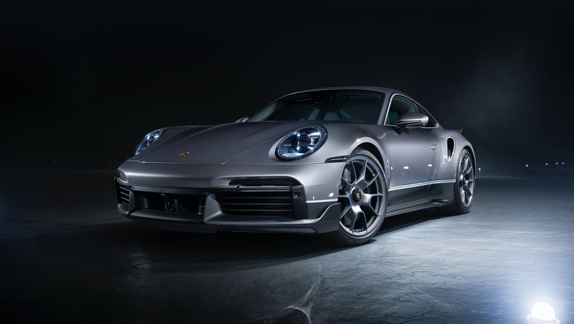 Porsche 911,Porsche 911 turbo s. Технически перед нами обычный Turbo S с оппозитником 3.8 (650 л.с., 800 Н•м), ускорением до ста за 2,7 с и максималкой в 330 км/ч.