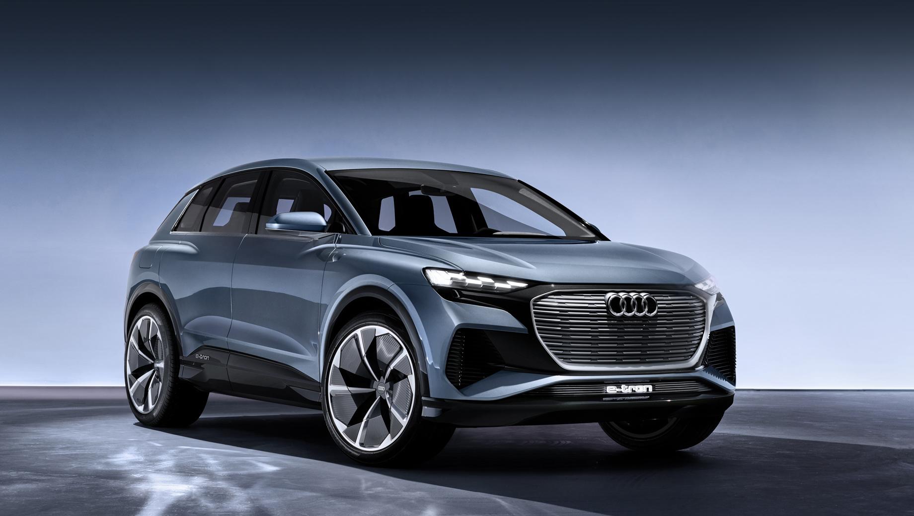 Audi q4 e-tron,Audi q4 sportback e-tron. Серийная версия концепта (на фото), показанного в марте 2019 года, должна попасть на конвейер до конца 2020-го.