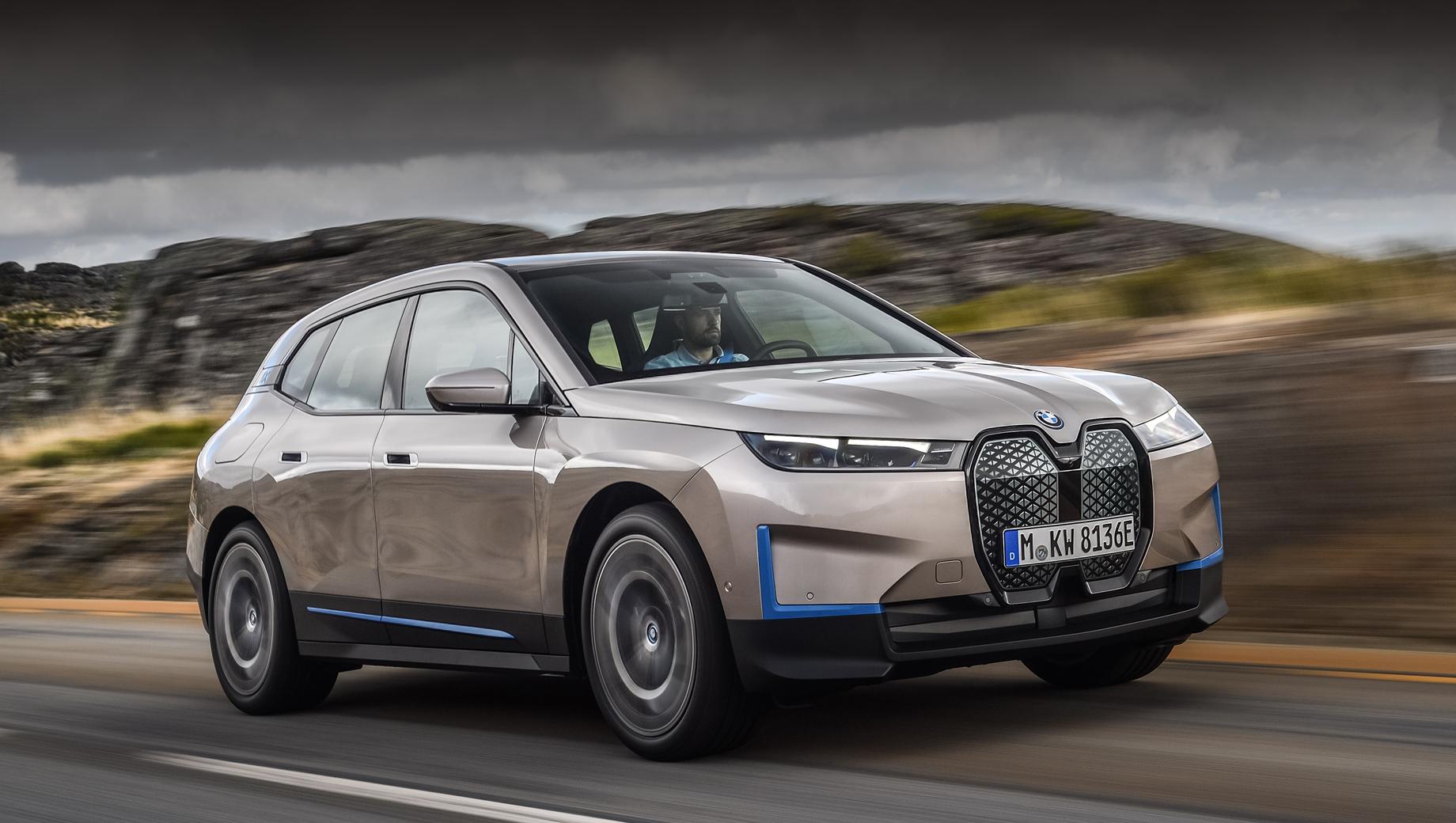 Кроссовер BMW iX сделал заявку на техническое лидерство