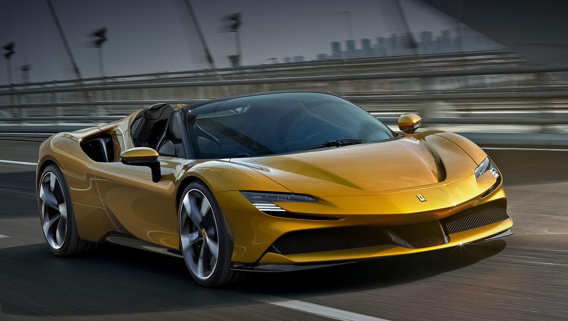 Ferrari sf90 spider,Ferrari sf90. По размерам Spider немного отличается от купе: длина — 4704 мм (-6), ширина — 1973 (-1), высота — 1191 (+5), колёсная база — 2649 (-1 мм). Снаряжённая масса больше ровно на центнер (1670 кг).