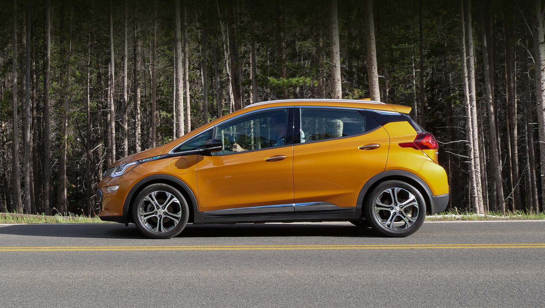 Chevrolet Bolt раскрылся во время рекламной съёмки