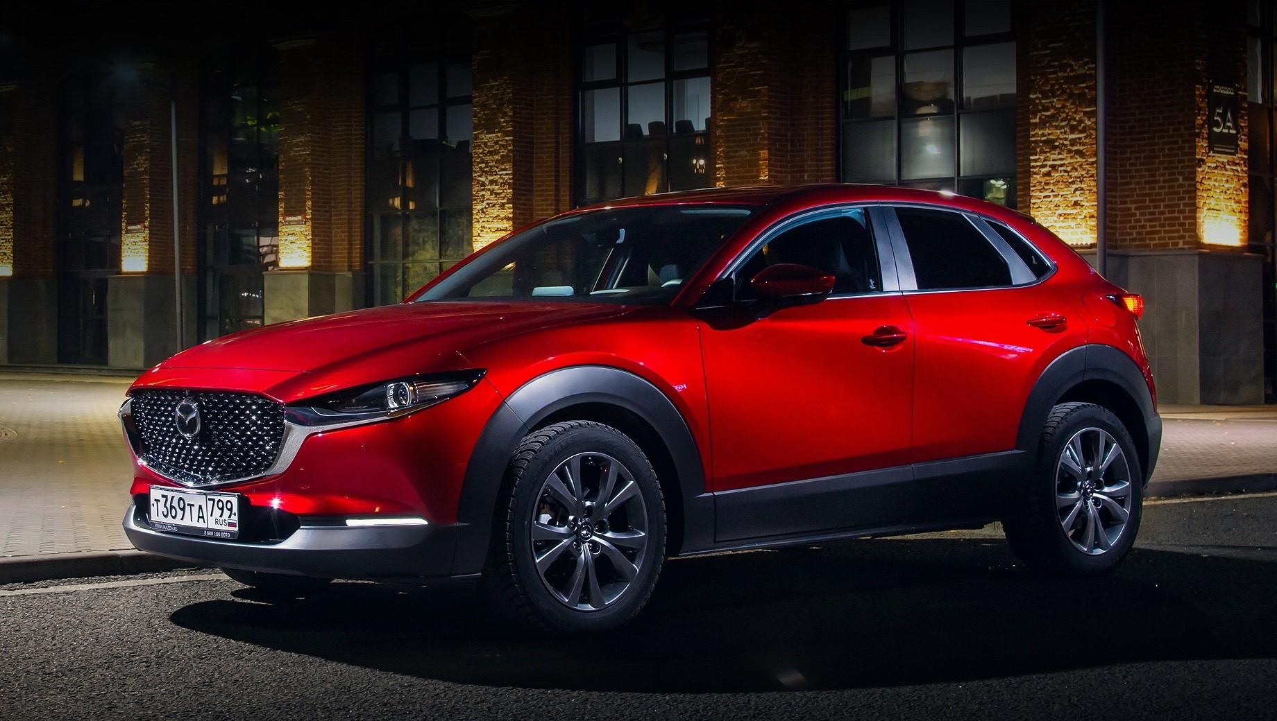 Mazda cx-30. Все версии кроссовера CX-30 будут комплектоваться 150-сильным атмосферником 2.0, с передним или полным приводом, а также двумя типами коробок передач — шестиступенчатыми механикой или автоматом.