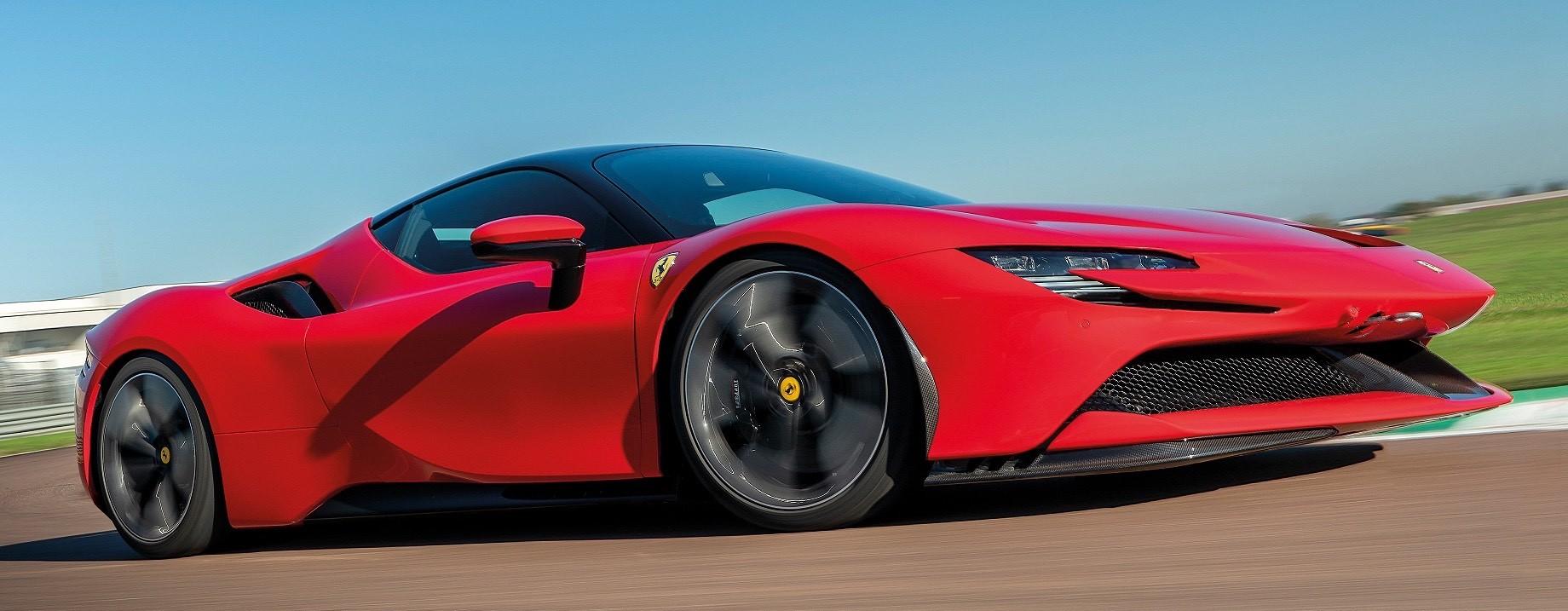 Суперкар Lamborghini Aventador нового поколения сохранит V12