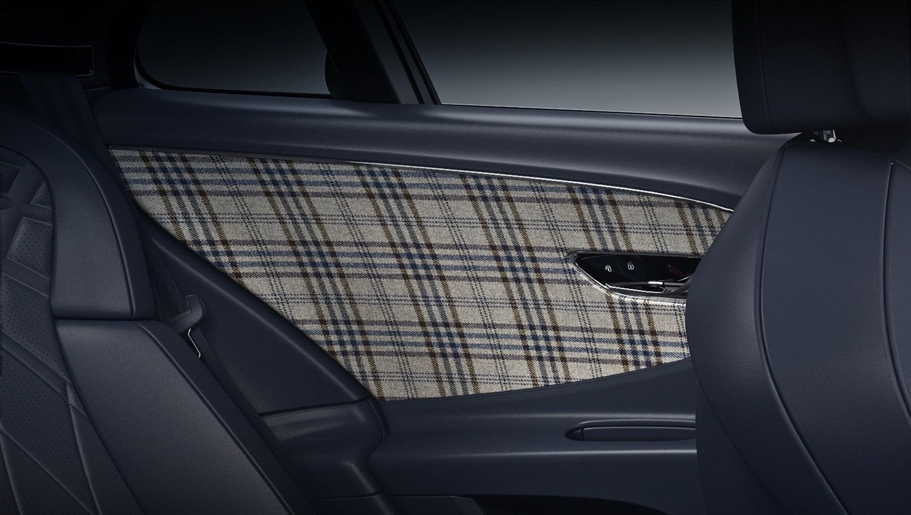 Bentley continental gt,Bentley flying spur,Bentley flying spur v8. Отделка британским твидом используется на моделях Bentley не впервые. До этого отделение Mulliner уже делало эксклюзивные автомобили Bentayga Sportsman и Continental GT Equestrian Edition, а также редчайшую баркетту Bacalar с подобной тканью в интерьере.
