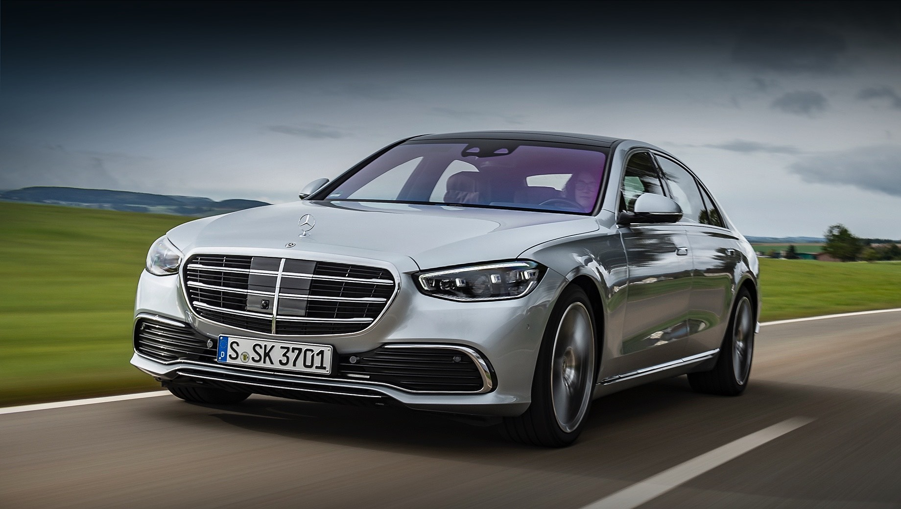 В России начался приём заказов на седан Mercedes S-класса