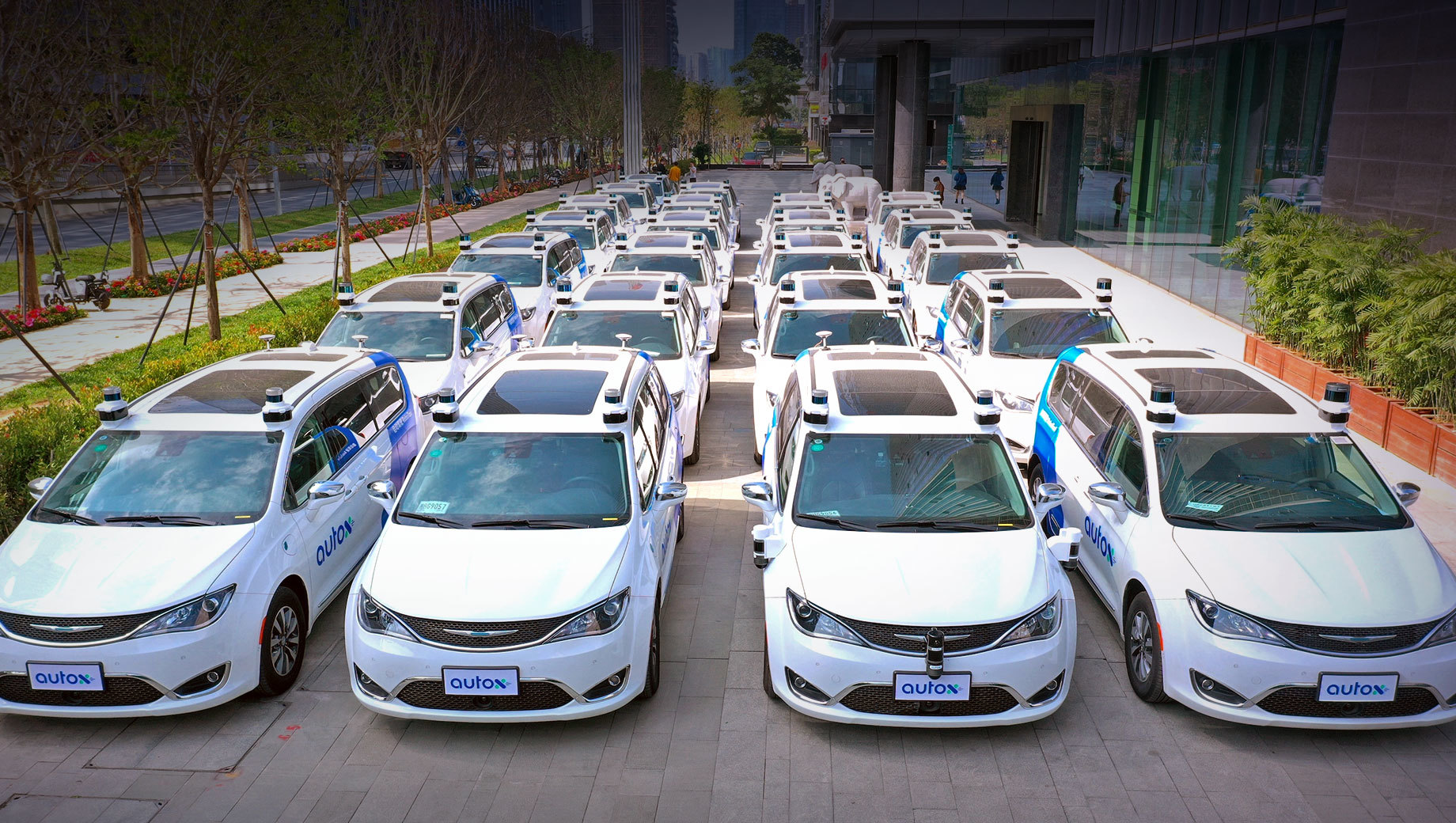 Роботакси AutoX впервые выехали на улицы Китая без водителей