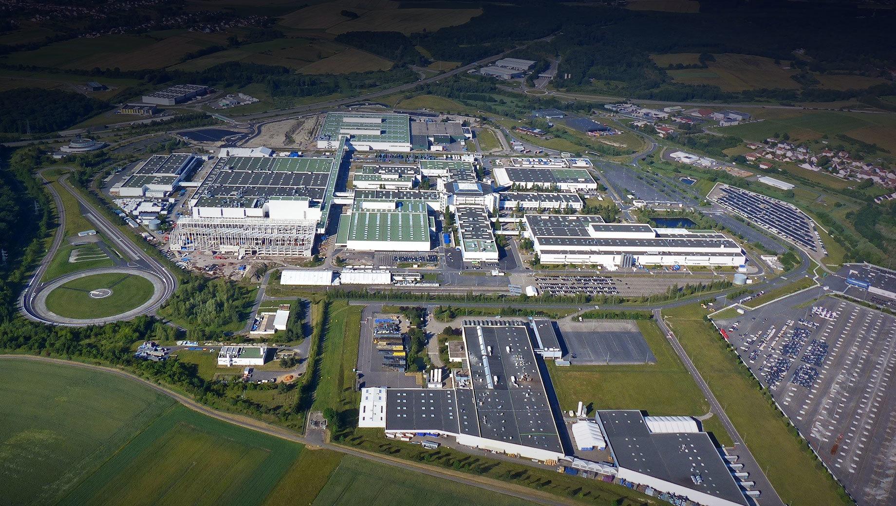 Mercedes-Benz продал завод Смарта фирме Ineos Automotive