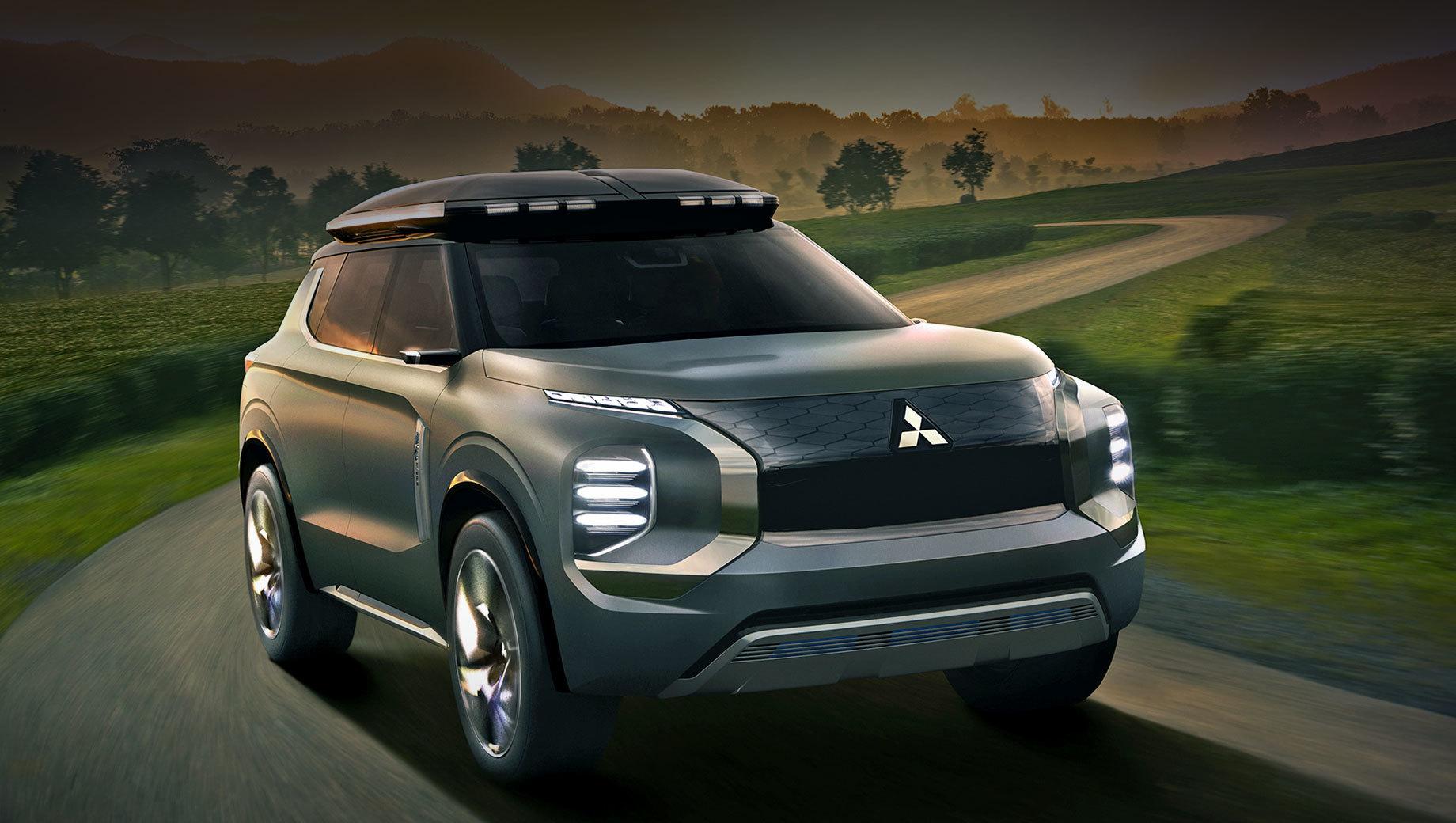 Mitsubishi outlander. Показанные в 2019 году концепты Mitsubishi Engelberg Tourer и e-Yi (на фото) были гибридами с запасом хода на электротяге в 70 км. Подобная версия появится и у серийной машины.
