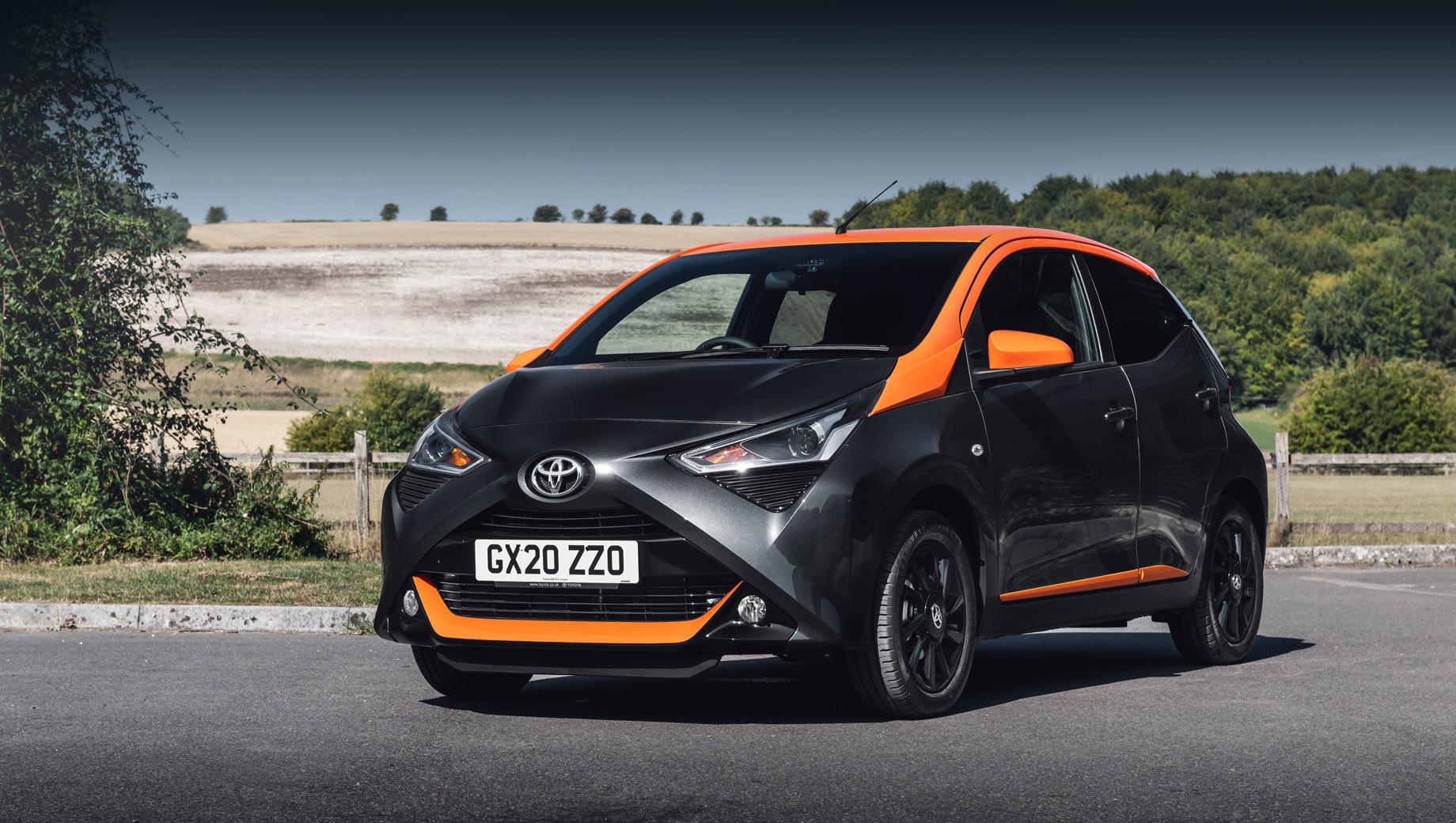 Хэтчбек Toyota Aygo сменит поколение через год