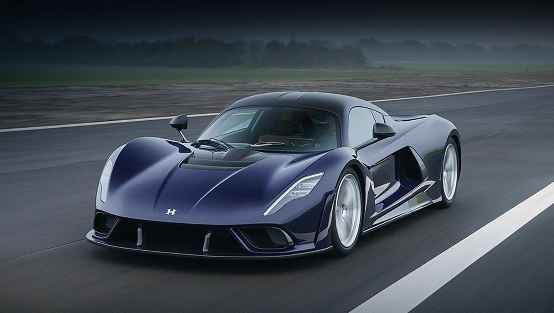 Купе Hennessey Venom F5 раскрылось в серийном обличье