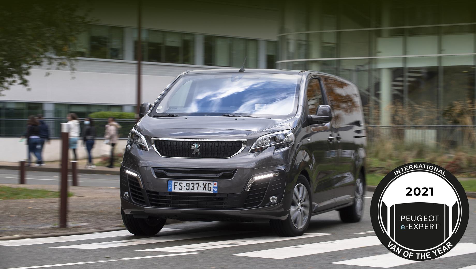 Peugeot e-expert,Citroen e-jumpy,Opel vivaro-e. Первый раз объявлялся «Вэн года-1992» (в конце 1991-го), и им был Volkswagen Transporter T4. Так что теперь вручается тридцатая такая награда.