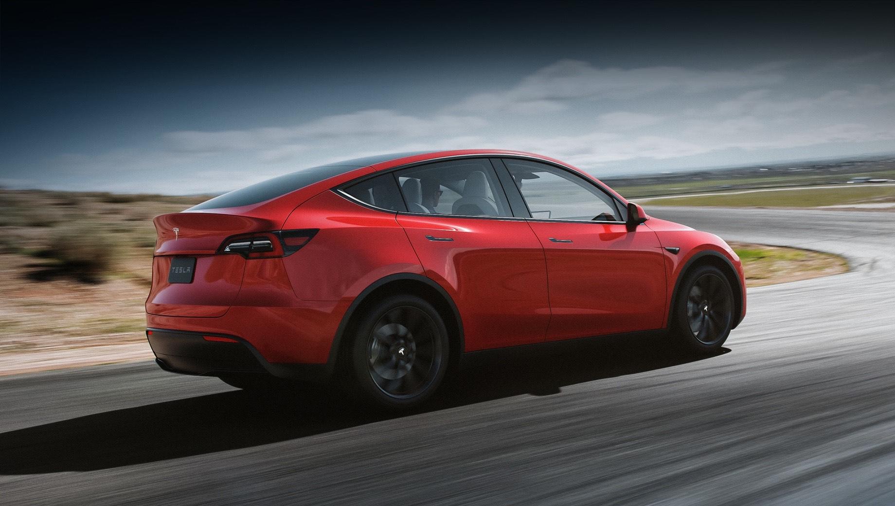 Tesla model y. Tesla Model Y начала свой рыночный путь меньше года назад, а в производстве машины были перебои. И несмотря на это электрокар нашёл по всему миру больше 70 тысяч покупателей. А в начале января открылся приём заказов в Китае, где за первые 10 часов приняли более 100 тысяч заявок.