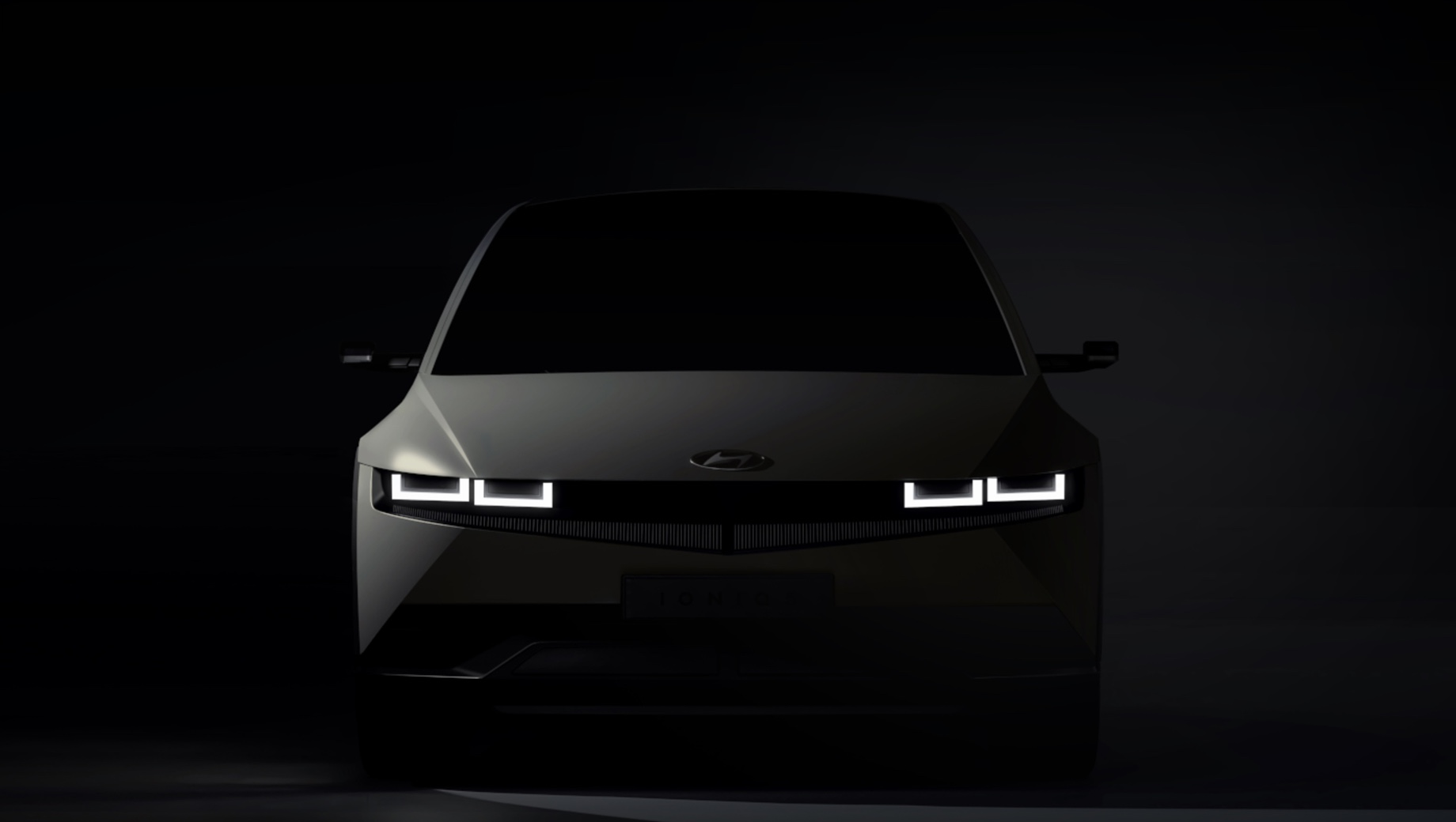 Hyundai ioniq. В истории с электрокарами Ioniq самое интересное для нас то, что они будут продаваться и в России. И случится это уже скоро, в новом году, о чём заявили представители российского офиса Hyundai на специальной онлайн-конференции.