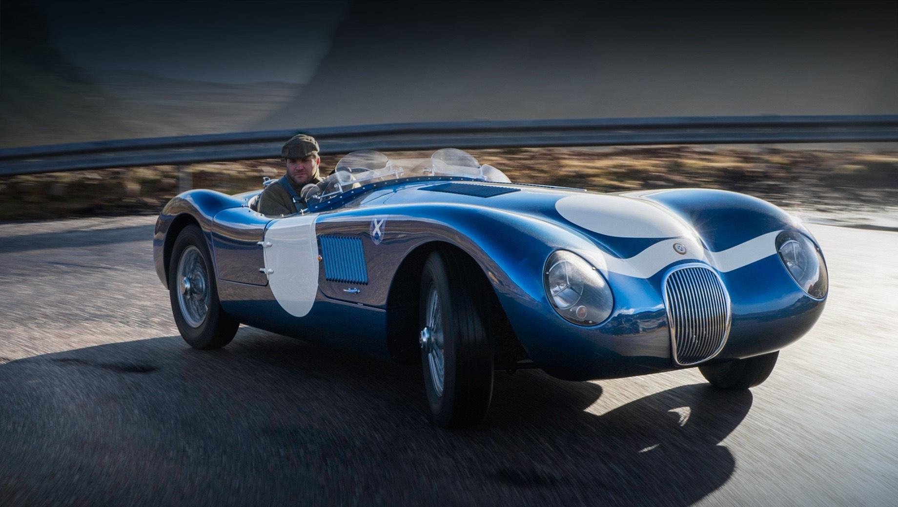 Jaguar ecurie ecosse  c-type,Jaguar c-type. Кузов — из алюминия. Процесс производства будет основан на методах времён середины прошлого века. Но не обойдётся и без высокоточной лазерной резки — это должно значительно улучшить само качество сборки. Классический синий колер и ливреи Ecurie Ecosse нанесены мастерами вручную.